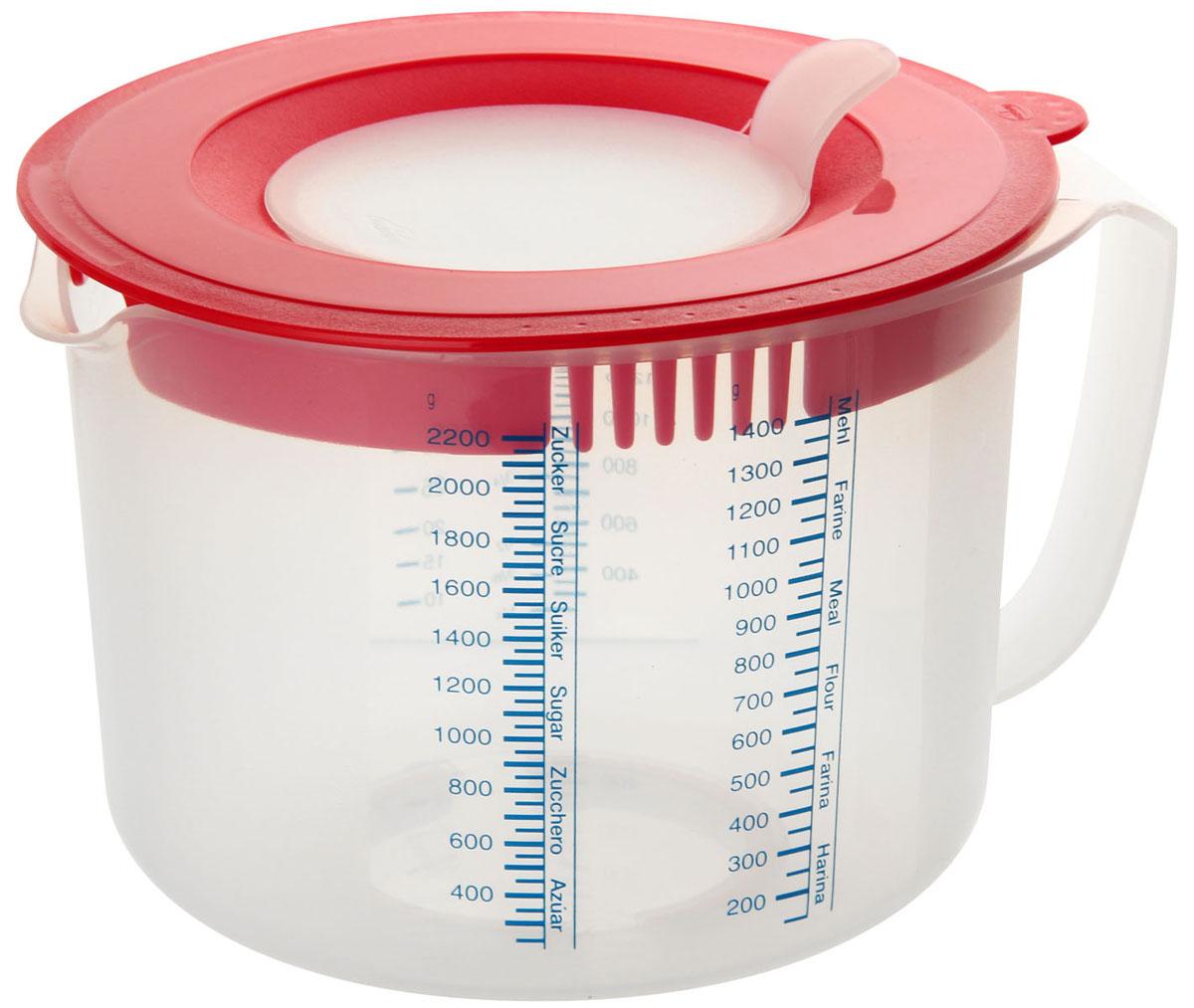 Мерный кувшин Dr.Oetker, с крышкой от брызг, 2,2 л300196Мерный кувшин Dr.Oetker изготовлен из высококачественного прочного пищевого пластика. Кувшин позволяет измерять объем жидкости, а также вес сахара и муки. Шкала жидкости представлена в миллилитрах, литрах, жидких унциях, чашках и пинтах. Шкала для сахара и муки представлена в граммах. Кувшин оснащен носиком для удобного слива, а также ручкой. Специальная плотно закрывающаяся крышка со съемным отверстием посередине позволяет взбивать смесь миксером прямо в кувшине, при этом, не запачкав ничего вокруг. Такой мерной кувшин придется по душе каждой хозяйке и станет незаменимым аксессуаром на кухне. Можно мыть в посудомоечной машине.