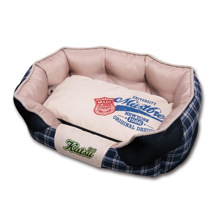 Лежак для собак Katsu Люкс, цвет: черный, бежевый, 50 см х 50 см х 17 см0120710Мягкий и уютный лежак для собак Katsu Люкс обязательно понравится вашему питомцу. Лежак выполнен из плотного материала. Внутри - мягкий наполнитель, который не теряет своей формы долгое время. Изделие имеет съемную внутреннюю подушку. Внешние стенки оформлены принтом в клеточку. Высокие борта лежака обеспечат вашей собаке уют и комфорт. Дно изделия оснащено противоскользящей вставкой.За изделием легко ухаживать, можно стирать вручную или в стиральной машине при температуре 40°С.