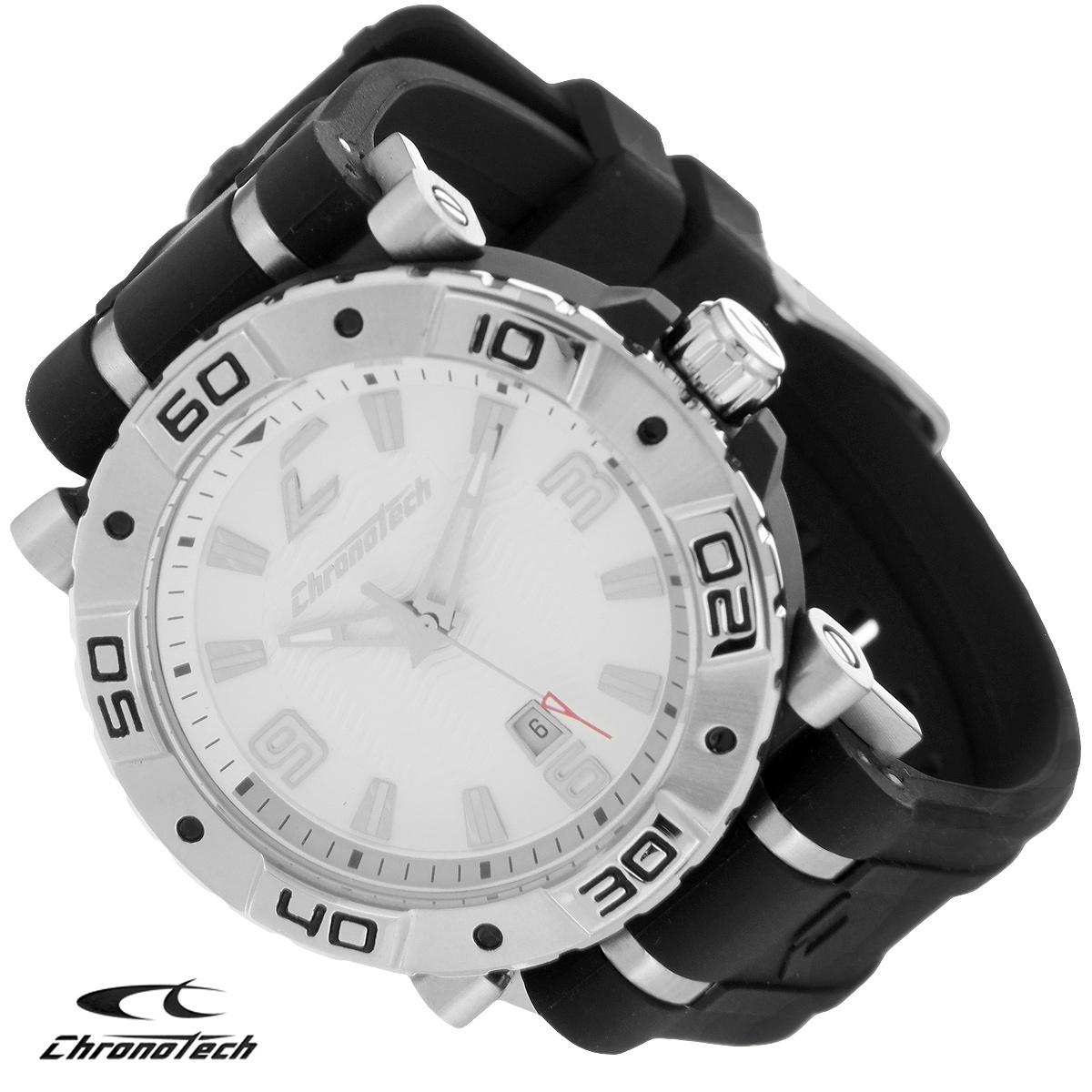 Часы мужские наручные Chronotech, цвет: черный, серебристый. RW0038BP-001 BKЧасы Chronotech - это часы для современных и стильных людей, которые стремятся выделиться из толпы и подчеркнуть свою индивидуальность. Корпус часов выполнен из нержавеющей стали. Циферблат оформлен отметками и арабскими цифрами и защищен минеральным стеклом. Часы имеют три стрелки - часовую, минутную и секундную. Стрелки и отметки светятся в темноте. Часы имеют индикатор даты. Ремешок часов выполнен из каучука и застегивается на классическую застежку. Часы упакованы в фирменную коробку с логотипом компании Chronotech. Такой аксессуар добавит вашему образу стиля и подчеркнет безупречный вкус своего владельца.Характеристики: Диаметр циферблата: 3,4 см.Размер корпуса: 4,4 см х 4 см х 1 см.Длина ремешка (с корпусом): 24,5 см.Ширина ремешка: 2,5 см.