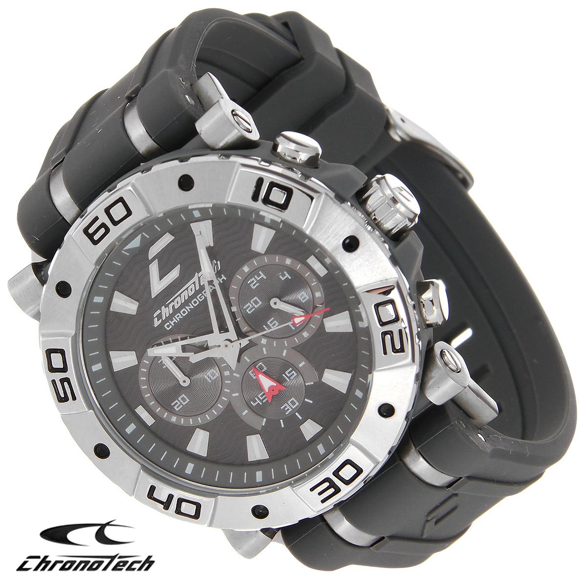 Часы мужские наручные Chronotech, цвет: серый. RW0036RW0036Часы Chronotech - это часы для современных и стильных людей, которые стремятся выделиться из толпы и подчеркнуть свою индивидуальность. Корпус часов выполнен из нержавеющей стали. Циферблат оформлен отметками и защищен минеральным стеклом. Часы имеют три стрелки - часовую, минутную и секундную. Стрелки и отметки светятся в темноте. Ремешок часов выполнен из каучука и застегивается на классическую застежку. Часы выполнены в спортивном стиле. Часы упакованы в фирменную коробку с логотипом компании Chronotech. Такой аксессуар добавит вашему образу стиля и подчеркнет безупречный вкус своего владельца. Характеристики: Диаметр циферблата: 3,3 см. Размер корпуса: 4,5 см х 4 см х 1 см. Длина ремешка (с корпусом): 24,5 см. Ширина ремешка: 2,4 см.