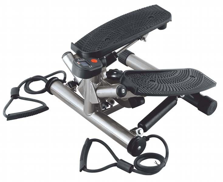 Министеппер поворотный Body Sculpture, с эспандерами. BS-1370BS-1370HA-BМинистеппер Body Sculpture изготовлен из металла и пластика. Современный поворотный министеппер идеально подходит для домашних занятий. Тренировка на министеппере напоминает ходьбу по ступенькам лестницы, а эластичные резиновые эспандеры одновременно накачивают и развивают мышцы и суставы плечевого пояса и рук. Компьютер тренажера включается автоматически и выводит в режиме сканирования на дисплей показатели, по которым пользователь может оценить эффективность проведенного сеанса – время тренировки, количество калорий, потраченных на прохождение дистанции, количество сделанных шагов. Ключевые преимущества: - Эспандер для верхнего плечевого пояса, - Большие нескользящие педали, - Тренирует мышцы ног, бедер, а эластичные эспандеры позволяют тренировать мышцы рук, - Компьютер показывает: время, количество шагов, расход калорий. - Сканирующий режим, - Автоматическое включение/выключение. Инструкция на...