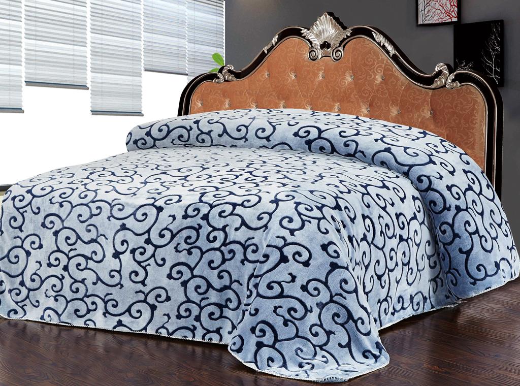 Плед SL, цвет: серый, синий, 200 см х 220 см. 1022410224Роскошный флисовый плед SL гармонично впишется в интерьер вашего дома и создаст атмосферу уюта и комфорта. Плед выполнен из высококачественного флиса и оформлен изящным орнаментом. Флис - мягкий, теплый, приятный на ощупь материал с бархатистой текстурой, который обладает высокой износостойкостью и долговечностью. Такой плед согреет в прохладную погоду и будет превосходно дополнять интерьер вашей спальни. Высочайшее качество материала гарантирует безопасность не только взрослых, но и самых маленьких членов семьи. Плед поможет подчеркнуть любой стиль интерьера, задать ему нужный тон - от игривого до ностальгического. Плед - это такой подарок, который будет всегда актуален, особенно для ваших родных и близких, ведь вы дарите им частичку своего тепла! Soft Line предлагает широкий ассортимент высококачественного домашнего текстиля разных направлений и стилей. Это и постельное белье из тканей различных фактур и орнаментов, а также мягкие теплые пледы,...