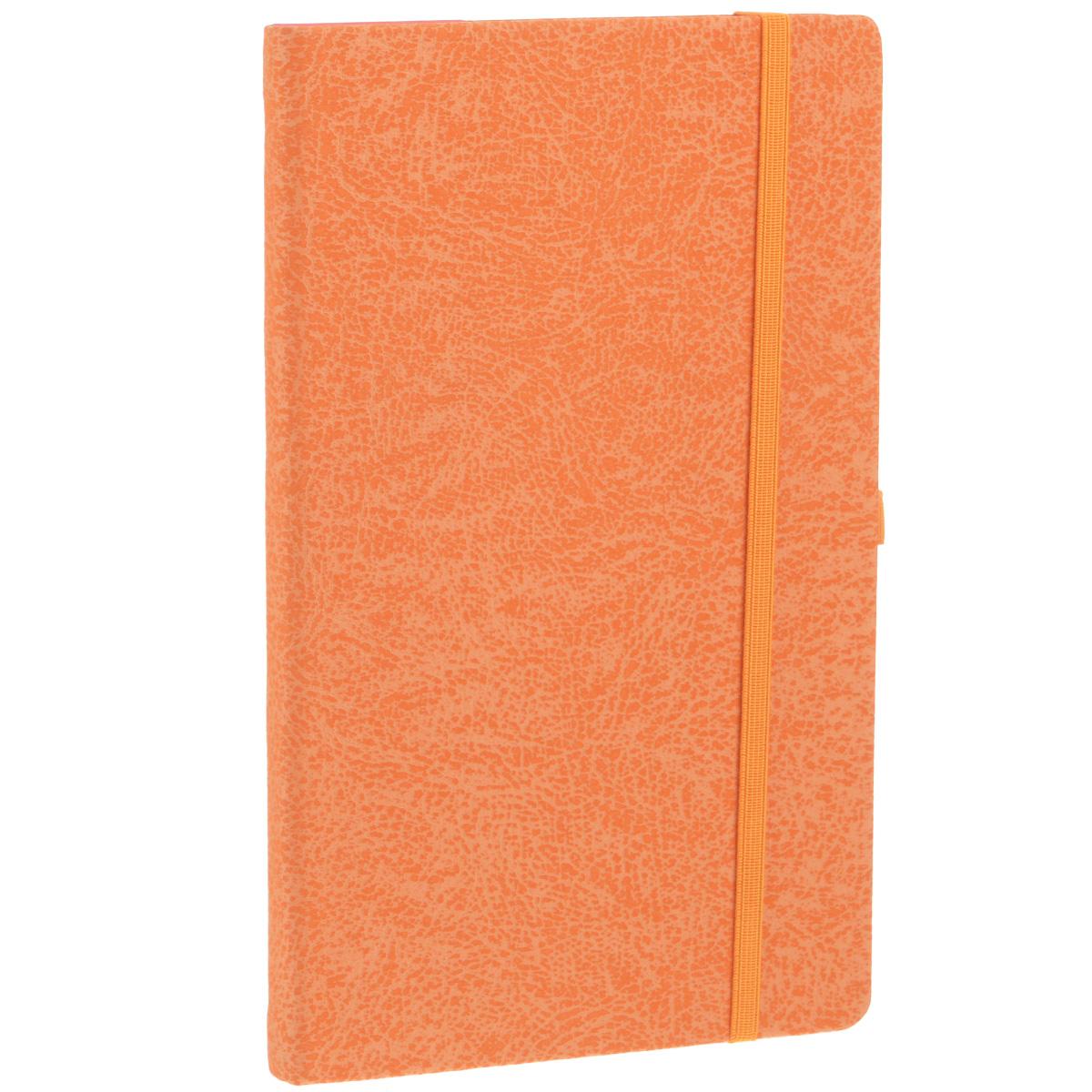 Записная книжка Erich Krause Perfect, цвет: оранжевый, 96 листов12-13/ГПЗаписная книжка Erich Krause Perfect - это дополнительный штрих к вашему имиджу. Демократичная в своем содержании, книжка может быть использована не только для личных пометок и записей, но и как недатированный ежедневник. Надежная твердая обложка из плотного картона с тиснением под кожу сохранит ее в аккуратном состоянии на протяжении всего времени использования. Плотная в линейку бумага белого цвета, закладка-ляссе, практичные скругленные углы, эластичная петелька для ручки и внутренний бумажный карман на задней обложке - все это обеспечит вам истинное удовольствие от письма. В начале книжки имеется страничка для заполнения личных данных владельца, четыре страницы для заполнения адресов, телефонов и интернет-почты и четыре страницы для заполнения сайтов и ссылок. Благодаря небольшому формату книжку легко взять с собой. Записная книжка плотно закрывается при помощи фиксирующей резинки.