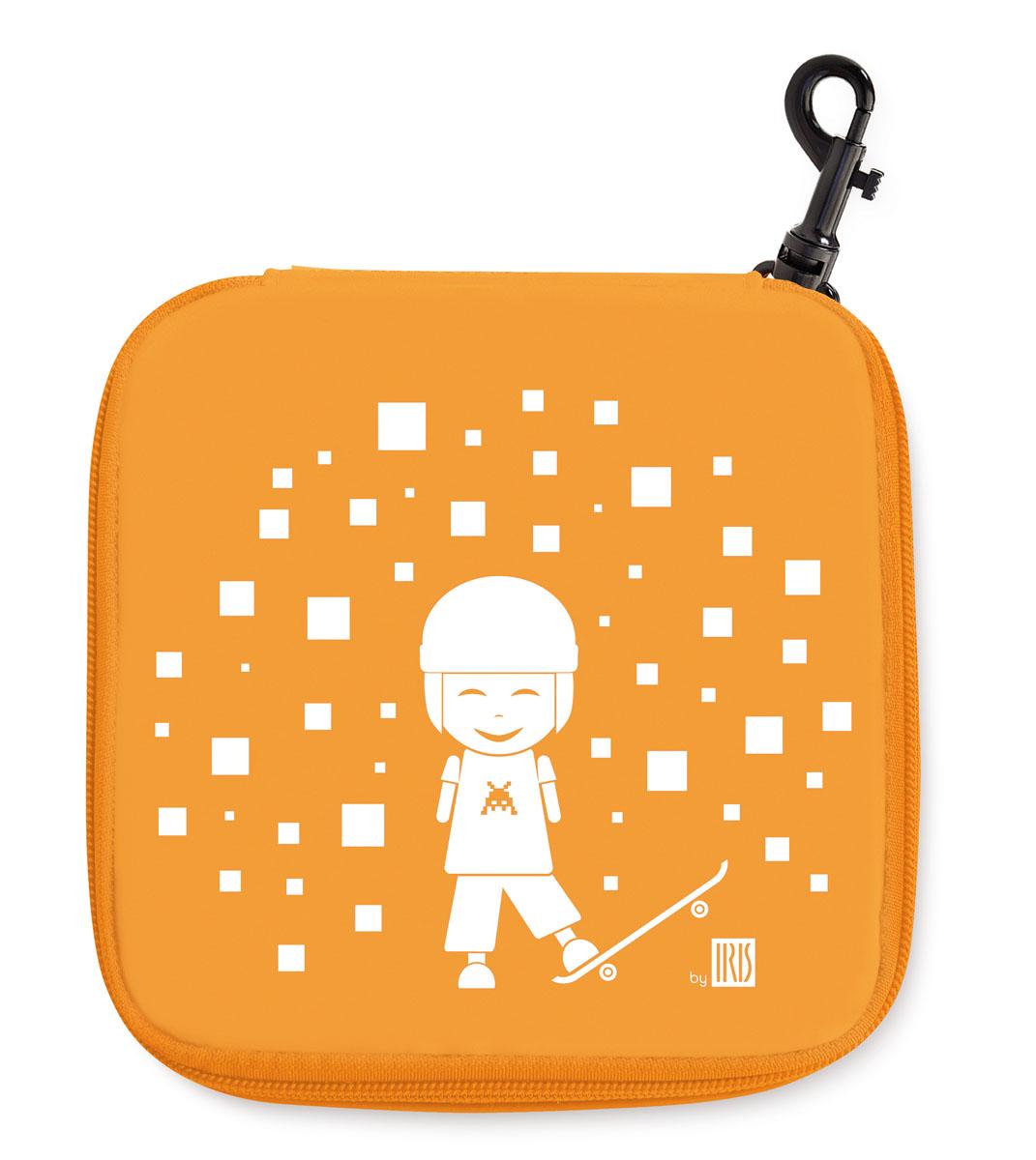 Термобутербродница Iris Barcelona Kids, цвет: оранжевый, 15 х 15 см9911-TNТермобутербродница Iris Barcelona Kids идеально подходит, чтобы взять ее в школу, на прогулку или в поездку. В течение нескольких часов сохранит еду свежей и вкусной благодаря специальному внутреннему покрытию из теплоизолирующего материала. Специальный фиксирующий поясок не позволит бутерброду распасться. Имеет внутренний карман для салфеток. Плотный материал стенок сохранит бутерброд от любых внешних воздействий и сохранит его форму. Можно написать имя и контактные данные владельца. Безопасный пластмассовый карабин позволит легко пристегнуть бутербродницу к ранцу или сумке. Заменяет все одноразовые упаковки. При бережном использовании прослужит не один год.