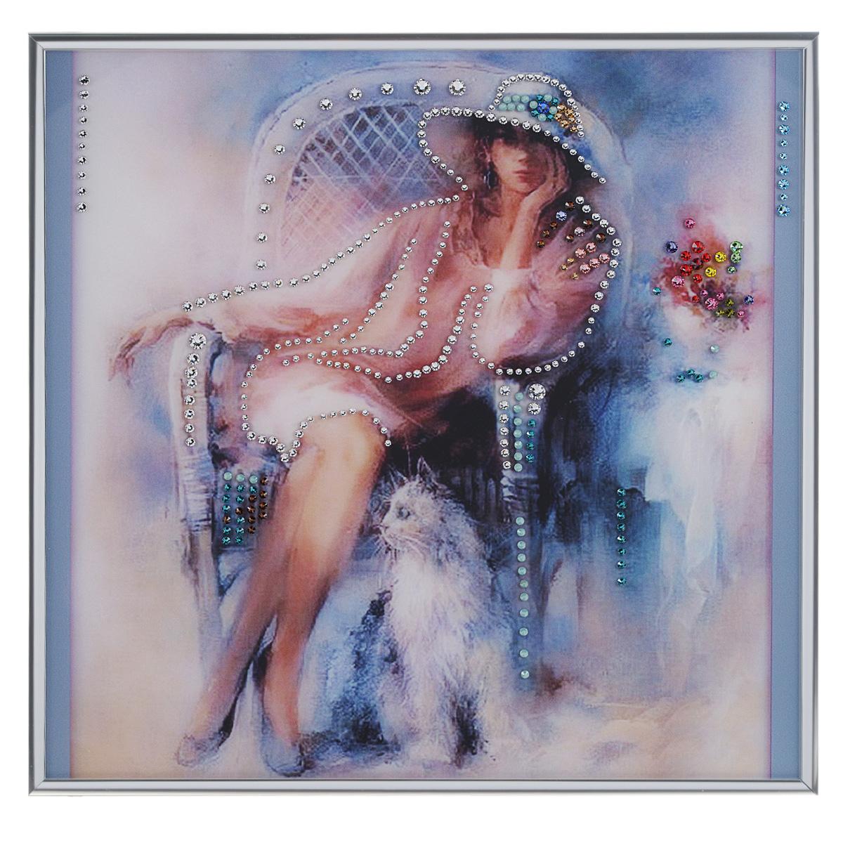 Картина с кристаллами Swarovski Незнакомка, 30 х 30 см1351Изящная картина в металлической раме, инкрустирована кристаллами Swarovski, которые отличаются четкой и ровной огранкой, ярким блеском и чистотой цвета. Красочное изображение девушки, расположенное под стеклом, прекрасно дополняет блеск кристаллов. С обратной стороны имеется металлическая петелька для размещения картины на стене. Картина с кристаллами Swarovski Незнакомка элегантно украсит интерьер дома или офиса, а также станет прекрасным подарком, который обязательно понравится получателю. Блеск кристаллов в интерьере, что может быть сказочнее и удивительнее. Картина упакована в подарочную картонную коробку синего цвета и комплектуется сертификатом соответствия Swarovski.