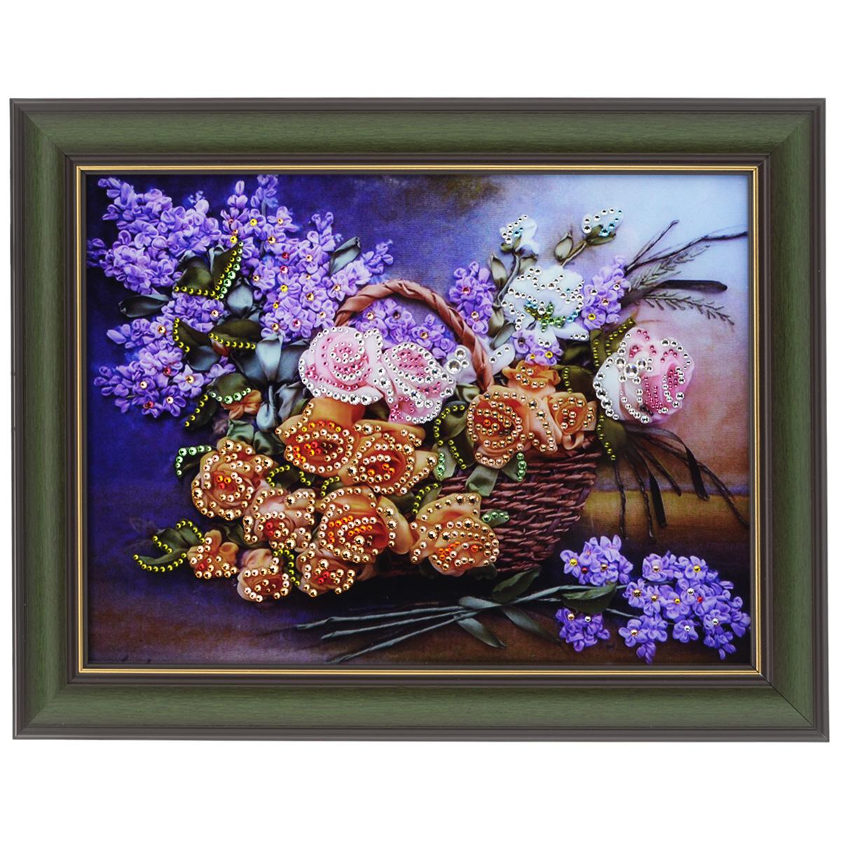 Картина с кристаллами Swarovski Натюрморт сирень, 48 х 38 см1421Изящная картина в багетной раме, инкрустирована кристаллами Swarovski, которые отличаются четкой и ровной огранкой, ярким блеском и чистотой цвета. Красочное изображение цветов в корзине, расположенное под стеклом, прекрасно дополняет блеск кристаллов. С обратной стороны имеется металлическая проволока для размещения картины на стене. Картина с кристаллами Swarovski Натюрморт сирень элегантно украсит интерьер дома или офиса, а также станет прекрасным подарком, который обязательно понравится получателю. Блеск кристаллов в интерьере, что может быть сказочнее и удивительнее. Картина упакована в подарочную картонную коробку синего цвета и комплектуется сертификатом соответствия Swarovski.