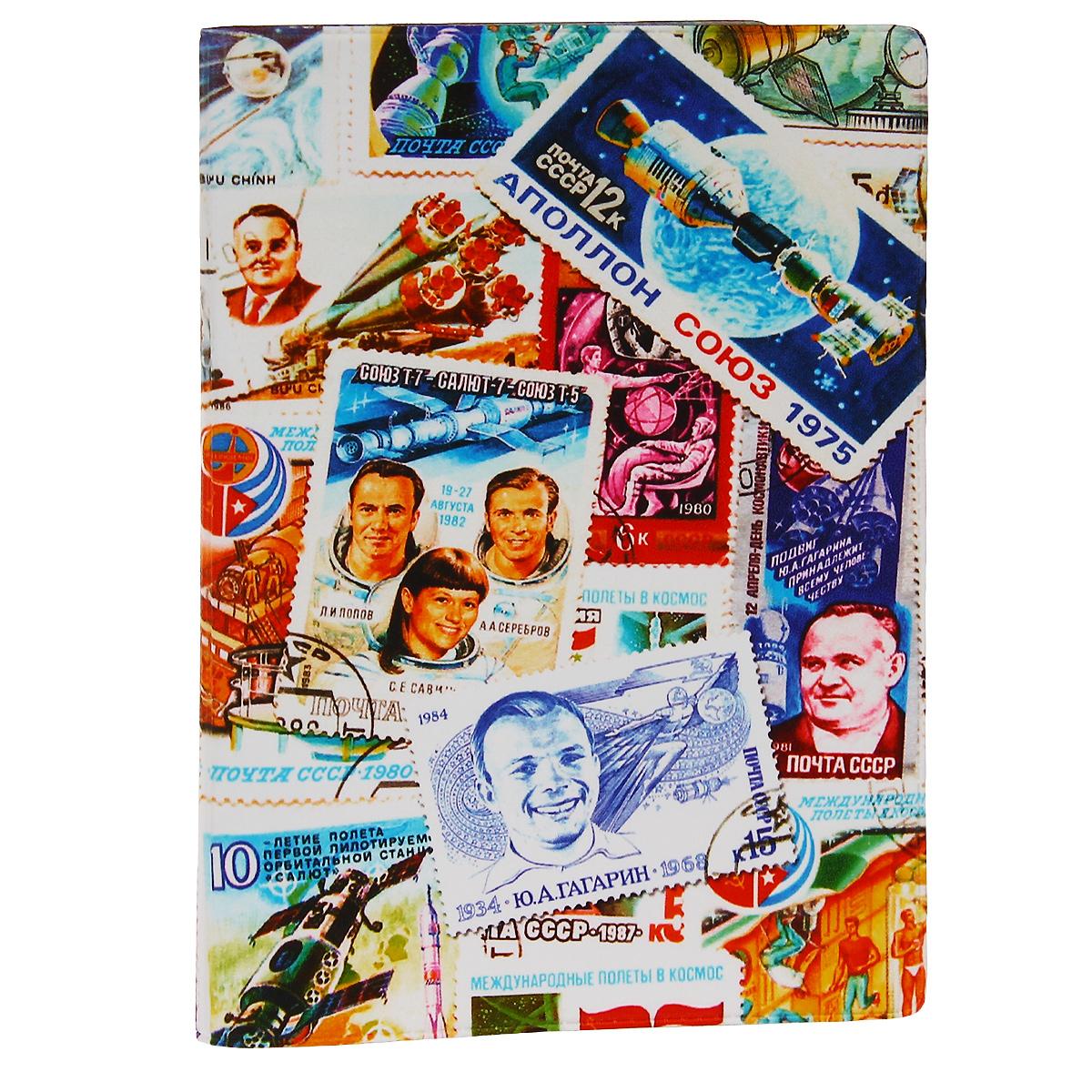 Обложка для автодокументов Космос (марки). AUTOZAM287AUTOZAM287Обложка для автодокументов Mitya Veselkov Космос. Марки изготовлена из прочного ПВХ и оформлена изображениями почтовых марок с космической тематикой. На внутреннем развороте имеются съемный блок из шести прозрачных файлов из мягкого пластика для водительских документов, один из которых формата А5, а также два боковых кармашка для визиток или банковских карт. Стильная обложка не только поможет сохранить внешний вид ваших документов и защитит их от грязи и пыли, но и станет аксессуаром, который подчеркнет вашу яркую индивидуальность.