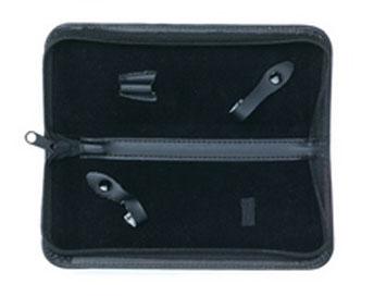 Tayo Футляр для хранения 2-х ножниц, 21,5 см х 8,5 см х 2,5 смCase 10Футляр для хранения и транспортировки парикмахерских ножниц. Предназначен для хранения 2-х ножниц. Футляр выполнен из кожзаменителя, застегивается на застежку-молнию. Внутри предусмотрены фиксаторы для ножниц. Товар сертифицирован.