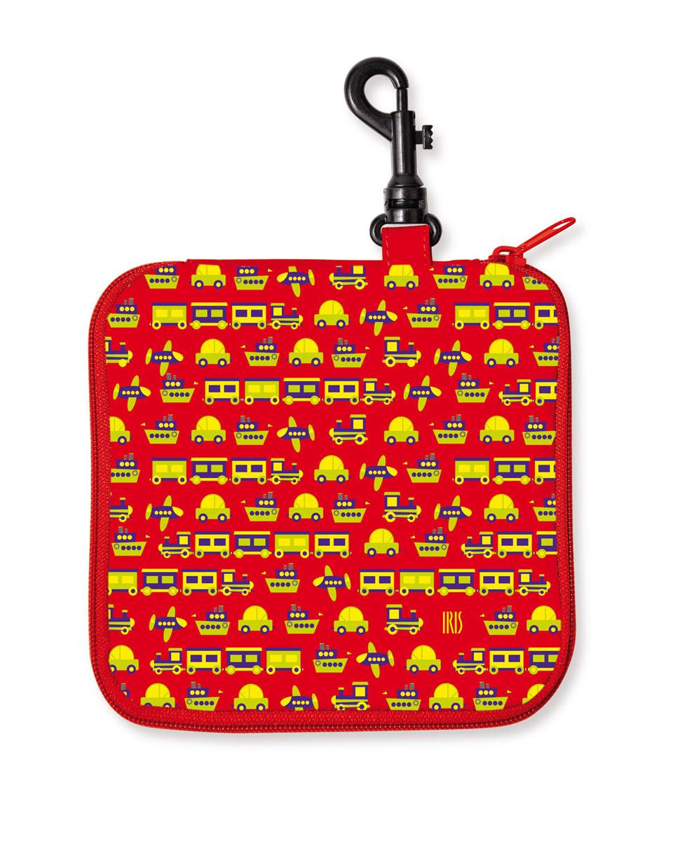 Термобутербродница мягкая Iris Barcelona Snack Rico, цвет: красный, 16 х 16 см9916-TMCТермобутербродница выполнена из полиэстера и застегивается на застежку-молнию. Термобутербродница Iris Barcelona Snack Rico - это самый веселый способ взять с собой бутерброды. Специальный фиксирующий поясок не позволит бутерброду распасться, а внутреннее покрытие из теплоизолирующего материала в течение нескольких часов сохранит свежесть и вкус. Безопасный пластмассовый карабин позволит легко пристегнуть бутербродницу к ранцу или сумке. В комплект входит подарок – забавный брелок для ключей из коллекции Snack Rico. Заменяет все одноразовые упаковки. При бережном использовании прослужит не один год.