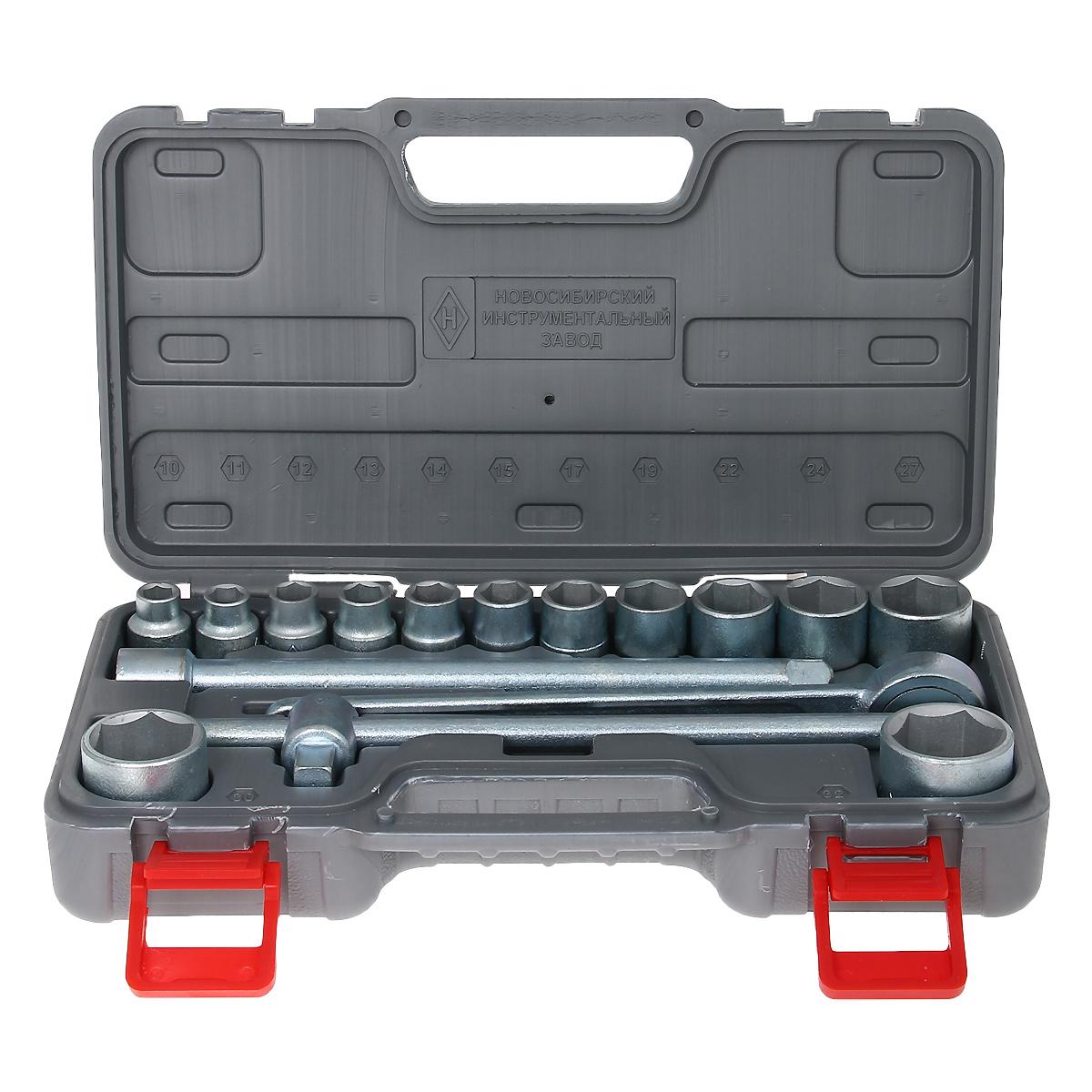 Набор шоферского инструмента № 2 НИЗ, 16 предметов80621Набор шоферского инструмента № 2 НИЗ включает: - головки сменные 1/2 10, 11, 12, 13, 14, 15, 17, 19, 22, 24, 27, 30 и 32 мм, - ключ с присоединительным квадратом 1/2,- трещоточный ключ 1/2,- удлинитель 250 мм 1/2.Все инструменты изготовлены из инструментальной стали 40Х и оцинкованы. Набор укомплектован в пластиковый кейс. Материал: инструментальная сталь, пластик.