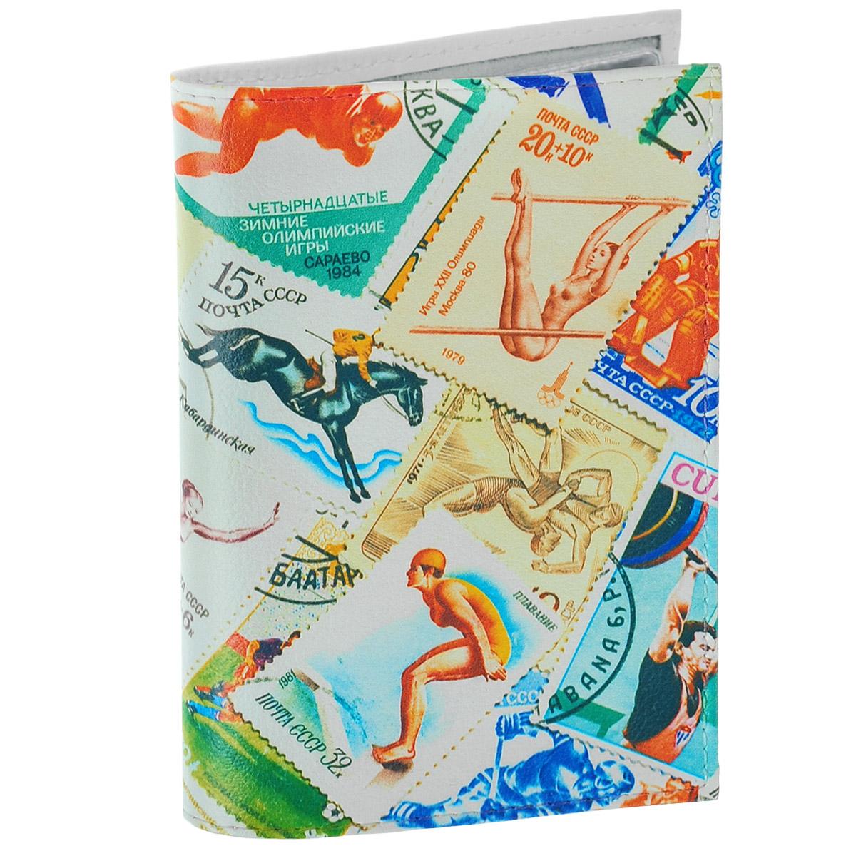 Обложка для автодокументов Спорт (марки) 2. AUTO282AUTO282Обложка для автодокументов Mitya Veselkov Спорт. Марки - 2 изготовлена из натуральной кожи и оформлена изображениями почтовых марок со спортивной тематикой. На внутреннем развороте имеются съемный блок из шести прозрачных файлов из мягкого пластика для водительских документов, один из которых формата А5, а также два боковых кармашка для визиток или банковских карт. Стильная обложка не только поможет сохранить внешний вид ваших документов и защитит их от грязи и пыли, но и станет аксессуаром, который подчеркнет вашу яркую индивидуальность.