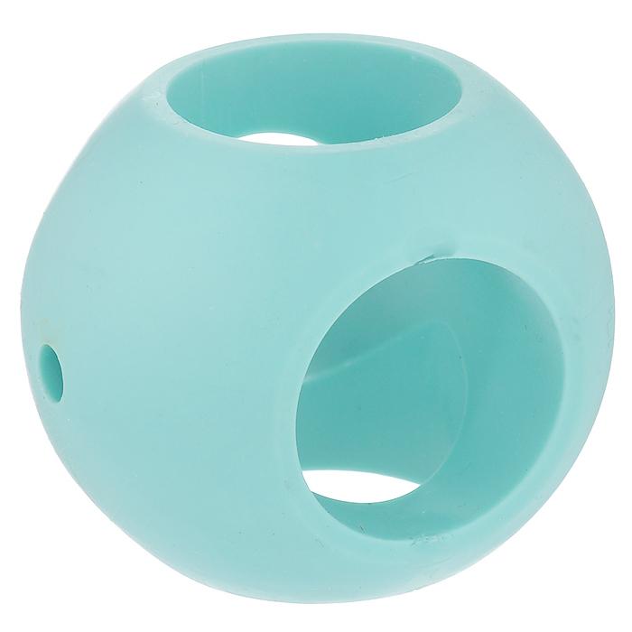 Магнитный шар для стирки Bradex АквамагTD 0144Магнитный шар смягчит воду, сделав белье более нежным и шелковистым, а также предотвратит образование накипи на элементах стиральной машины. В отличие от большинства кондиционеров, магнитный шар - абсолютно безопасный и экологичный продукт, созданный для эффективной и экономичной стирки. Прибор представляет собой шар с магнитами в пластмассовом корпусе. Используйте его вместо кондиционера и других дополнительных средств во время стирки и оцените результат: - белье становится мягким и нежным; - сложные загрязнения легче отстирываются; - на элементах машины меньше накипи. Принцип действия: Магниты смягчают структуру воды посредством пространственной ориентации молекул нерастворимой соли. Таким образом, соль, придающая воде жесткость, получает более обтекаемый вид и вода смягчается. Кристаллы не остаются на белье, придавая ему жесткость. Вам не нужно больше использовать кондиционер! Магнитный шар Аквамаг полностью заменит его.