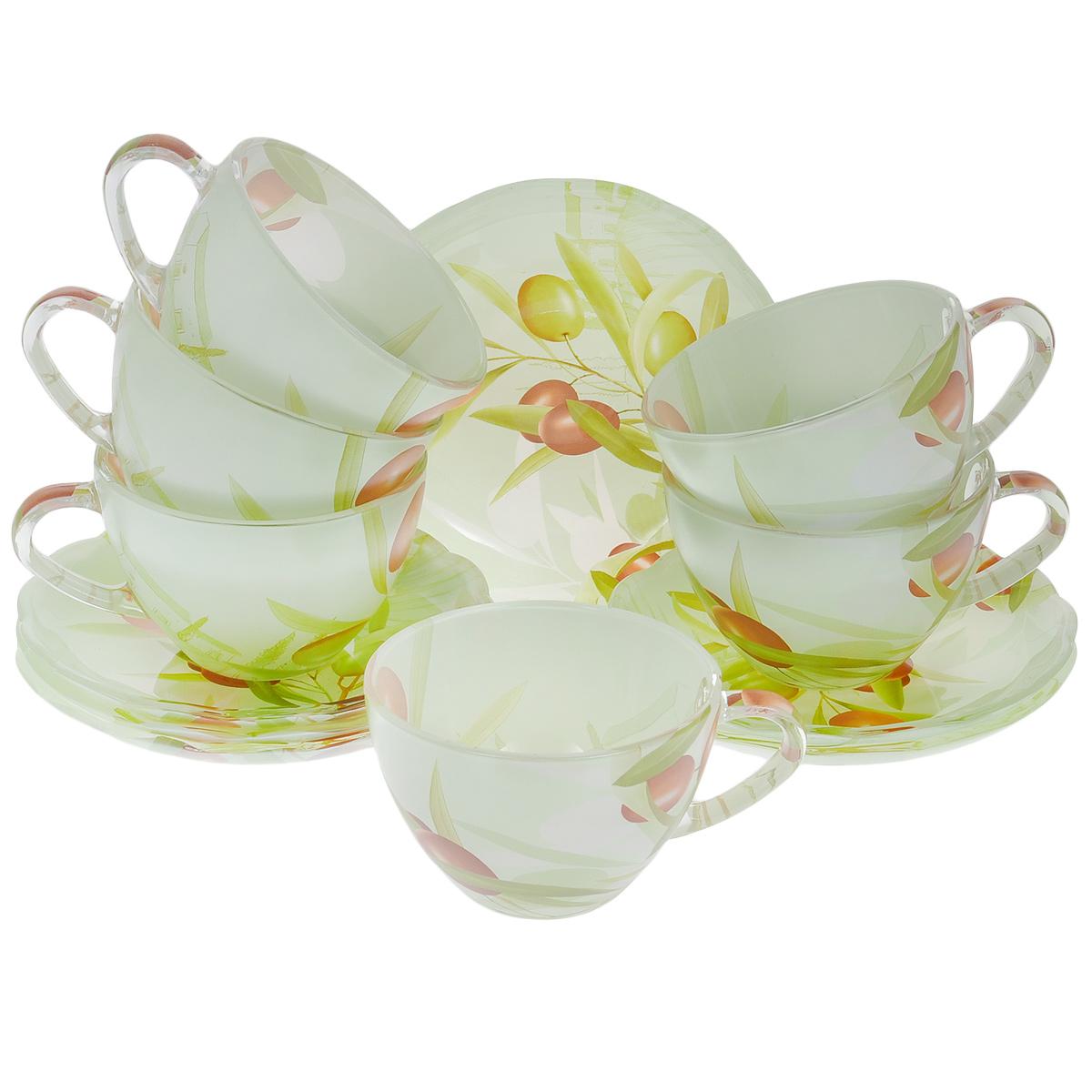 Набор посуды Оливки, 12 предметов115510Набор посуды состоит из 6 блюдец и 6 чашек. Изделия выполнены из высококачественного стекла и оформлены изображением ветки с оливками. Этот набор эффектно украсит стол, а также прекрасно подойдет для торжественных случаев. Красочность оформления придется по вкусу и ценителям классики, и тем, кто предпочитает утонченность и изящность.Объем чашки: 210 мл.