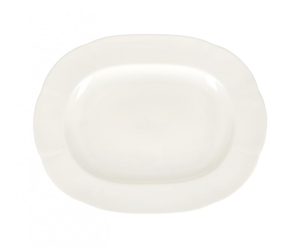 Блюдо овальное 38см White, шт89ww/0309Royal Bone China* – костяной фарфор, с содержанием костяной муки 45%. Основным достоинствами изделий из костяного фарфора являются прозрачность и абсолютно гладкая глазуровка. В итоге получаются изделия, сочетающие изысканный вид с прочностью и долговечностью. Изделия Royal Bone Chine по праву считаются элитными. Оригинальная, но ненавязчивая роспись придает им прелесть. Данная торговая марка хорошо известна в Европе и Азии, а теперь и жители нашей страны смогут приобрести потрясающие сервизы. Royal Porcelain Public Company Ltd (Таиланд) - ультрасовременное предприятие, оснащенное немецким оборудованием, ежегодно выпускает более 33 млн изделий, которые поставляются более чем в 50 стран. Среди клиентов компании — сети отелей Marriott, Hyatt, Sheraton, Hilton. Компания предлагает разнообразный ассортимент с постоянным обновлением коллекций. *(перевод)Bone – кость, China - фарфор Цвет: белый