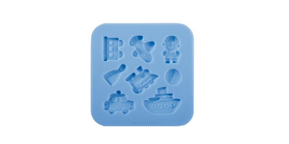 Форма для украшения выпечки Tescoma Для мальчиков, 8 ячеек633012Форма Tescoma Для мальчиков отлично подходит для украшения выпечки фигурками из марципана или помадки. Необходимо поставить заполненные формы в морозильник на 5-10 минут, а затем вытащить их, мягко нажав на дно формы. Форма изготовлена из превосходного гибкого силикона. На одном листе расположены 8 ячеек в виде самолета, футбольного мяча, корабля, вагончика. Можно мыть в посудомоечной машине.