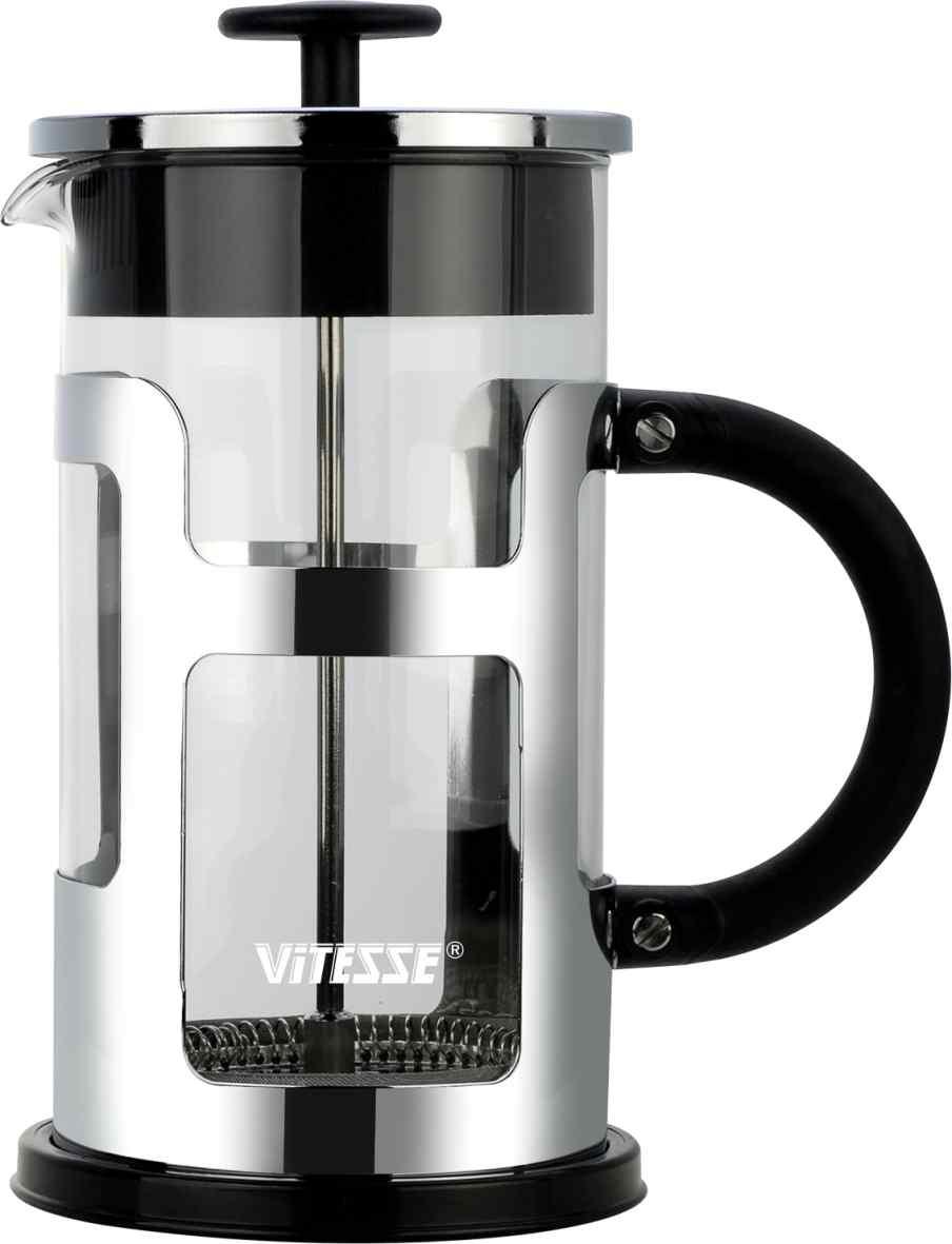 Френч-пресс Vitesse, 1 л. VS-2613VS-2613Френч-пресс Vitesse предназначен для приготовления кофе методом настаивания и отжима, а также для заваривания чая и различных трав. Центральный элемент френч-прессов - плунжер - представляет собой фильтр с ручкой, позволяющий эффективно отделять сырье от напитка при отжиме. Корпус, фильтр и крышка выполнены из высококачественной нержавеющей стали с зеркальной полировкой, колба изготовлена из термостойкого стекла. Эргономичная прорезиненная ручка обеспечивает надежный хват и комфорт во время использования. Устойчивое пластиковое основание обладает термоизоляционными свойствами, поэтому вы можете не бояться, что ваш стол может быть поврежден от высоких температур. Специальная сеточка-фильтр эффективно задерживает чаинки и кофейный осадок. В комплекте пластиковая мерная ложка. Можно мыть в посудомоечной машине. Объем: 1 л. Диаметр (по верхнему краю): 9,5 см. Высота френч-пресса: 22 см. Длина ложечки: 10 см. Диаметр основания: 11...