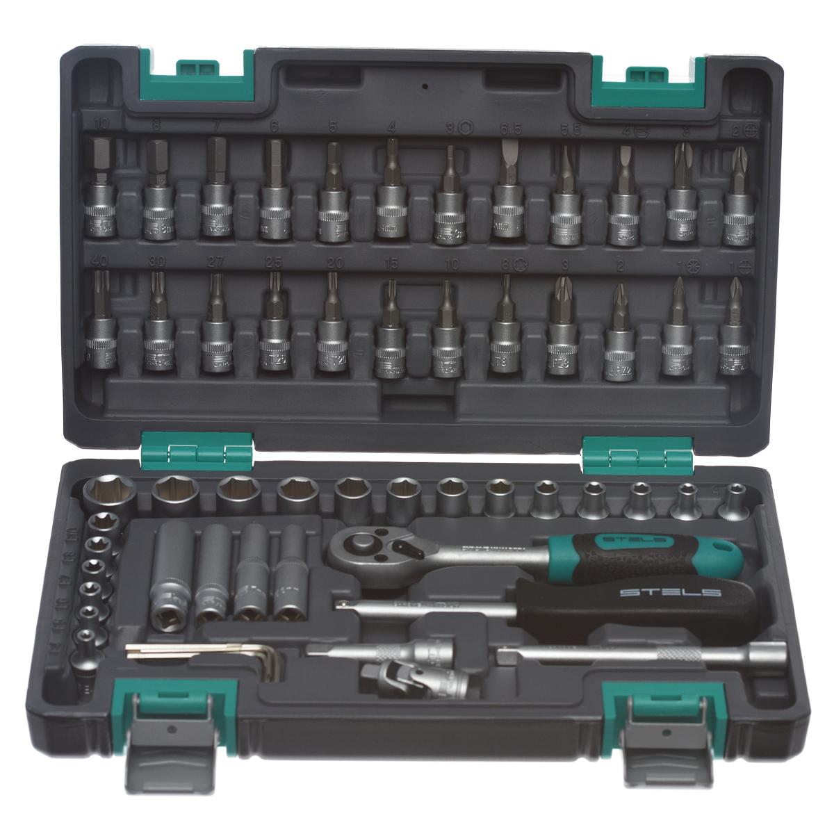Набор инструментов Stels, 57 предметов14101Набор инструментов торговой марки Stels разработан специально для автолюбителей и центров технического обслуживания. Каждый этап производства контролируется в соответствии с международными стандартами. Головки и комбинированные ключи изготовлены из хромованадиевой стали, придающей инструменту исключительную твердость в сочетании с легкостью. Набор упакован в кейс, изготовленный из жесткого противоударного пластика. Состав набора: Ключ трещоточный 1/4. Головки торцевые 1/4: 4 мм, 4,5 мм, 5 мм, 5,5 мм, 6 мм, 7 мм, 8 мм, 9 мм, 10 мм, 11 мм, 12 мм, 13 мм, 14 мм. Головки торцевые 1/4, удлиненные: 6 мм, 7 мм, 8 мм, 10 мм. Кардан шарнирный 1/4. Удлинители 1/4: 50 мм, 100 мм. Отвертка-битодержатель 1/4. Ключи шестигранные: 1,5 мм, 2 мм, 2,5 мм, 3 мм. Головки торцевые 1/4 со вставкой: Т8, Т10, Т15, Т20, Т25, Т27, Т30, Т40, E4, E5, E6, E7, E8, E10, PH1, PH2, PH3, PZ1, PZ2, PZ3, H3, H4, H5, H6, H7, H8, H10, SL4, SL5,5, SL6,5.
