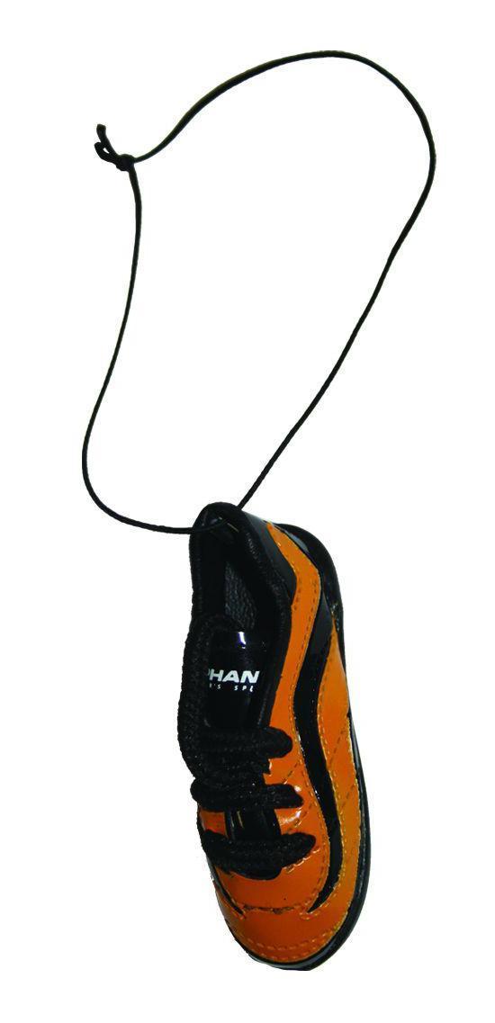 Ароматизатор Phantom Бутсы футбольные, ваниль3167Еще один продукт для футбольных болельщиков - яркие бутсы! Сшиты как настоящая обувь спортсмена, прошивки, шнурки - уменьшенная копия реальных бутс. Наполнены ароматическим волокном, позволяющим удерживать запах в течение длительного времени. Характеристики: Аромат: ваниль. Материал: искусственная кожа, отдушка, полипропилен. Размер ароматизатора: 7,5 см х 2,5 см х 3 см. Размер упаковки: 10 см х 19 см х 4 см.