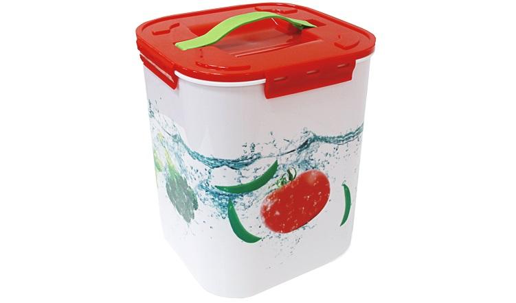 Контейнер для хранения Idea Овощи, 10 лVT-1520(SR)Контейнер Idea Овощи выполнен из высококачественного полипропилена, предназначен для хранения различных вещей и мелких аксессуаров.Контейнер снабжен плотно закрывающейся крышкой с четырьмя фиксаторами. Изделие оснащено резиновой ручкой на крышке для удобной переноски.Объем контейнера: 10 л.