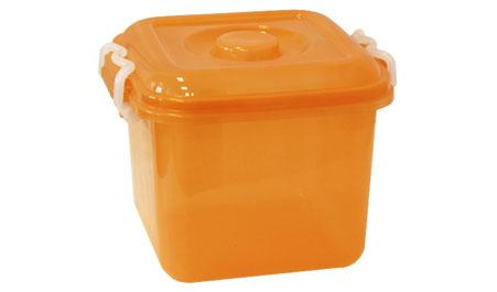 Контейнер для хранения Idea Океаник, цвет: оранжевый, 8 лМ 2856Контейнер Idea Океаник, выполненный из высококачественного пищевого полипропилена, предназначен для хранения различных вещей. Он снабжен плотно закрывающейся крышкой со специальными боковыми фиксаторами. Вместительный контейнер позволит сохранить ваши вещи в порядке, а герметичная крышка предотвратит случайное открывание, а также защитит содержимое от пыли и грязи.