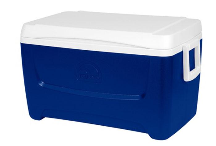 Изотермический контейнер Igloo Island Breeze, цвет: синий, 45 л44714Легкий и прочный изотермический контейнер Igloo Island Breeze, изготовленный из высококачественного пластика, предназначен для транспортировки и хранения продуктов и напитков. Корпус гладкий, эргономичного дизайна, ударопрочный. Поддержание внутреннего микроклимата обеспечивается за счет термоизоляционной прокладки из пены Ultra Therm, способной удерживать температуру внутри корпуса до 24 часов. Для поддержания температуры использовать с аккумуляторами холода. Контейнер имеет широко открывающуюся крышку для легкого доступа к продуктам. Крышка плотно и герметично закрывается. Крепкие ручки по бокам корпуса для удобства погрузки и разгрузки из багажника автомобиля. Такой контейнер можно взять с собой куда угодно: на отдых, пикник, кемпинг, на дачу, на рыбалку или охоту и т.д. Идеальный вариант для отдыха всей семьей.