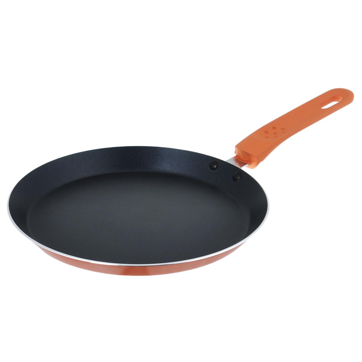 Сковорода блинная Bekker Koch, с антипригарным покрытием, цвет: оранжевый. Диаметр 24 см. BK-3741BK-3741Сковорода Bekker Koch изготовлена из алюминия с внутренним антипригарным покрытием Xylan Plus. Благодаря этому пища не пригорает и не прилипает к стенкам. Готовить можно с минимальным количеством масла и жиров. Такая сковорода идеально подойдет для жарки блинов и оладьев. Гладкая поверхность обеспечивает легкость ухода за посудой. Изделие оснащено удобной бакелитовой ручкой с прорезиненным покрытием, которая не нагревается в процессе приготовления пищи. Сковорода подходит для использования на газовых, стеклокерамических и электрических плитах. Не подходит для индукционных плит. Можно мыть в посудомоечной машине. Диаметр: 24 см. Высота стенки: 2 см. Толщина стенки: 2,5 мм. Толщина дна: 3 мм. Длина ручки: 16,5 см.