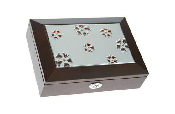 Шкатулка ювелирная Moretto, цвет: коричневый, 18 х 13 х 5 см 39753 салатник кубаньфарфор роза кавказа 18 5 х 18 5 см