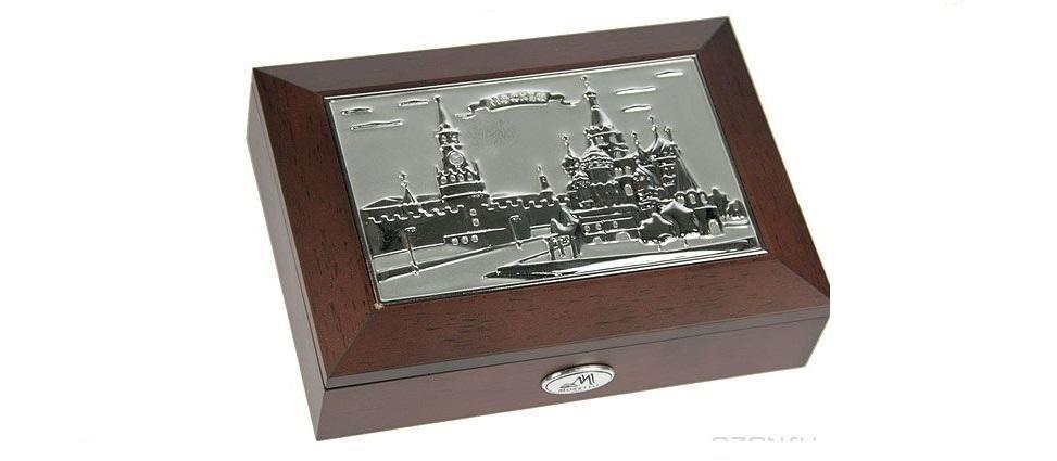 Шкатулка ювелирная MORETTO Москва 18*13*5см39936Великолепная шкатулка для вашей любимой. Здесь можно хранить бижутерию, ювелирные изделия и множество других мелочей. Очень оригнальний подарок для особых дат в вашей совместной жизни.