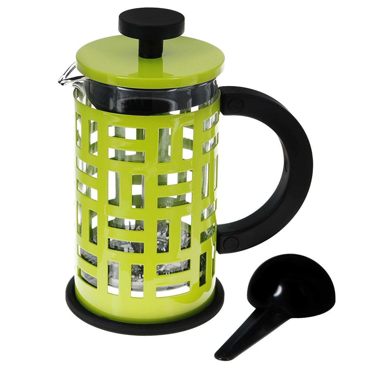 Кофейник Bodum Eileen с прессом, с ложечкой, цвет: зеленый, 0,35 л11198-Кофейник Bodum Eileen представляет собой колбу из термостойкого стекла в цельной оправе из окрашенной нержавеющей стали. Оправа защищает хрупкую колбу от толчков и ударов. Кофейник оснащен стальным фильтром french press, который позволяет легко и просто приготовить отличный напиток. Ненагревающаяся ручка кофейника выполнена из пластика. В комплекте небольшая мерная ложечка из черного пластика. Благодаря такому кофейнику приготовление вкуснейшего ароматного и крепкого кофе займет всего пару минут. Профессиональная серия Eileen была задумана и создана в честь великого архитектора и дизайнера - Эйлин Грей (Eileen Gray). При создании серии были особо учтены соображения функционального удобства. Стильный внешний вид и практичность в использовании сделали Eileen чрезвычайно востребованной серией. Объем: 0,35 л. Диаметр кофейника по верхнему краю: 7 см. Высота стенки кофейника: 13,5 см. Длина ложечки: 10 см.