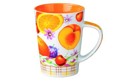 Кружка Shenzhen Xin Tianli Фрукты, цвет: белый, оранжевый, 365 мл115610Кружка Shenzhen Xin Tianli Фрукты выполнена из высококачественной керамики и декорирована яркими изображениями фруктов. Изделие из керамики экологически безопасно.Кружка станет замечательным сувениром к любому случаю.Диаметр кружки (по верхнему краю): 8 см.Высота стенок: 11,5 см.Объем: 365 мл.