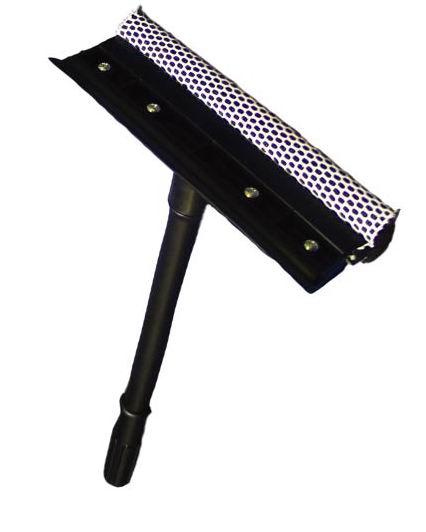 Стеклоочиститель Home Queen со съемной ручкой, 38 см57575Стеклоочиститель Home Queen, выполненный из пластика, полипропилена, поролона и резины, подойдет для очистки поверхностей. Благодаря полиэстеровой сетке, стеклоочиститель справится со сложными загрязнениями, а структура поролона позволит сэкономить моющее средство. Стеклоочиститель имеет сгон для воды. Удобная ручка откручивается. Длина съемной ручки: 38 см. Размер насадки: 21 см х 7,5 см х 3,5 см.