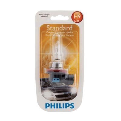 Лампа автомобильная галогенная Philips Vision, для фар, цоколь H9 (PGJ19-5), 12V, 65WPM 6515Автомобильная галогенная лампа Philips Vision произведена из запатентованного кварцевого стекла с УФ фильтром Philips Quartz Glass. Кварцевое стекло Philips в отличие от обычного твердого стекла выдерживает гораздо большее давление смеси газов внутри колбы, что препятствует быстрому испарению вольфрама с нити накаливания. Кварцевое стекло выдерживает большой перепад температур, при попадании влаги на работающую лампу изделие не взрывается и продолжает работать. Лампы Philips Vision дают на 30% больше света по сравнению со стандартными лампами. Они создают превосходный световой поток, отличаются приемлемой ценой и соответствуют стандартам качества для оригинального оборудования. Благодаря улучшенному распределению света лампы Philips Vision способны освещать дорогу на большем расстоянии, повышая безопасность и комфорт вождения. Автомобильные галогенные лампы Philips удовлетворят все нужды автомобилистов: дальний свет, ближний свет, передние противотуманные фары, передние и боковые указатели поворота, задние указатели поворота, стоп-сигналы, фонари заднего хода, задние противотуманные фонари, освещение номерного знака, задние габаритные/стояночные фонари, освещение салона.
