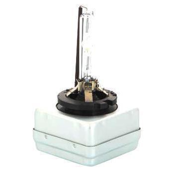 Лампа автомобильная ксеноновая Philips Xenon Vision, для фар, цоколь D1R (PK32d-3), 85V, 35W85409VIC1Ксеноновая лампа для автомобильных фар Philips Xenon Vision изготовлена из кварцевого стекла, устойчивого к УФ-излучению. Такое стекло обладает более высокой прочностью (по сравнению с тугоплавким стеклом) и отличается высокой устойчивостью к перепадам температур и вибрации. Например, при попадании влаги на работающую лампу изделие не взрывается и продолжает работать. Лампы выдерживают высокое внутреннее давление, поэтому такое кварцевое стекло обеспечивает более мощный свет. Лампы Xenon HID (High Intensity Discharge - разряд высокой интенсивности) производят в два раза больше света, обеспечивая лучшую видимость на дороге в любых условиях. Интенсивный белый свет ламп Xenon HID, схожий с дневным светом, помогает водителям сохранять концентрацию внимания и быстрее реагировать на препятствия и дорожные знаки, чем при использовании традиционных ламп. Ксеноновые лампы Philips Xenon Vision позволяют заменить одну перегоревшую ксеноновую лампу, так как цветовая температура...