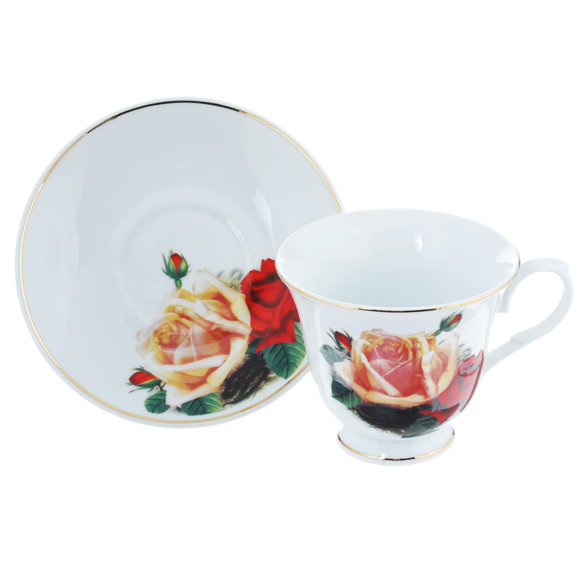 Чайная пара Lillo Поллианна, 2 предметаLIL 91032Чайная пара Lillo Поллианна сочетает в себе изысканный дизайн с максимальной функциональностью. Чашка с блюдцем выполнены из высококачественного фарфора и декорированы золотистой эмалью и цветочным принтом. Оформление придется по вкусу и ценителям классики, и тем, кто предпочитает утонченность и изысканность. Такая чайная пара станет отличным сувениром для ваших друзей и близких. Набор упакован в подарочную коробку, перевязанную атласной лентой. Не рекомендуется использовать в посудомоечной машине и микроволновой печи.