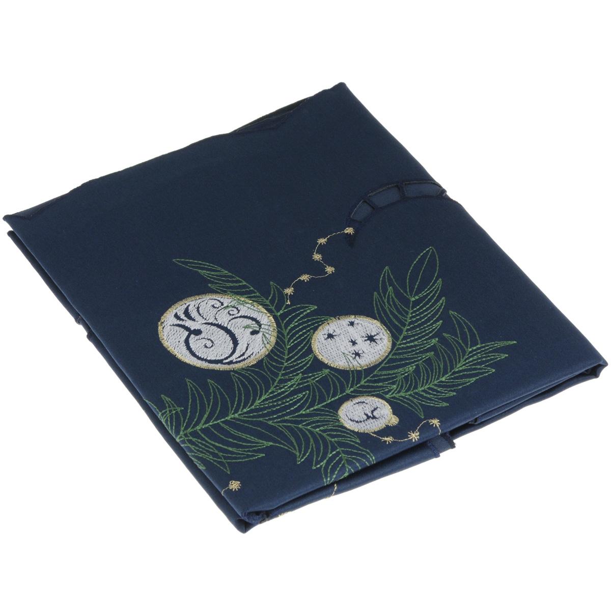 Скатерть Home Queen Шарики, квадратная, цвет: синий, 85 x 85 см63966Новогодняя скатерть Queen Шарики изящно украсит праздничный стол. Изделие выполнено из плотной полиэстеровой ткани, украшенной яркой декоративной ажурной вышивкой в виде елочных шаров. Изделие можно использовать поверх однотонной скатерти или в качестве самостоятельного покрытия на стол. Скатерть Queen Шарики создаст новогоднее настроение и станет прекрасным дополнением интерьера гостиной, кухни или столовой.