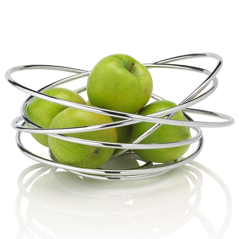 Ваза для фруктов Black+Blum Loop, 25 х 24 х 12 смFR001Ваза Black+Blum Loop прекрасно подойдет для красивой сервировки фруктов. Она выполнена из высококачественной стали. Оригинальный дизайн придется по вкусу и ценителям классики, и тем, кто предпочитает утонченность и изысканность. Ваза для фруктов Black+Blum Loop украсит сервировку вашего стола и подчеркнет прекрасный вкус хозяина, а также станет отличным подарком.