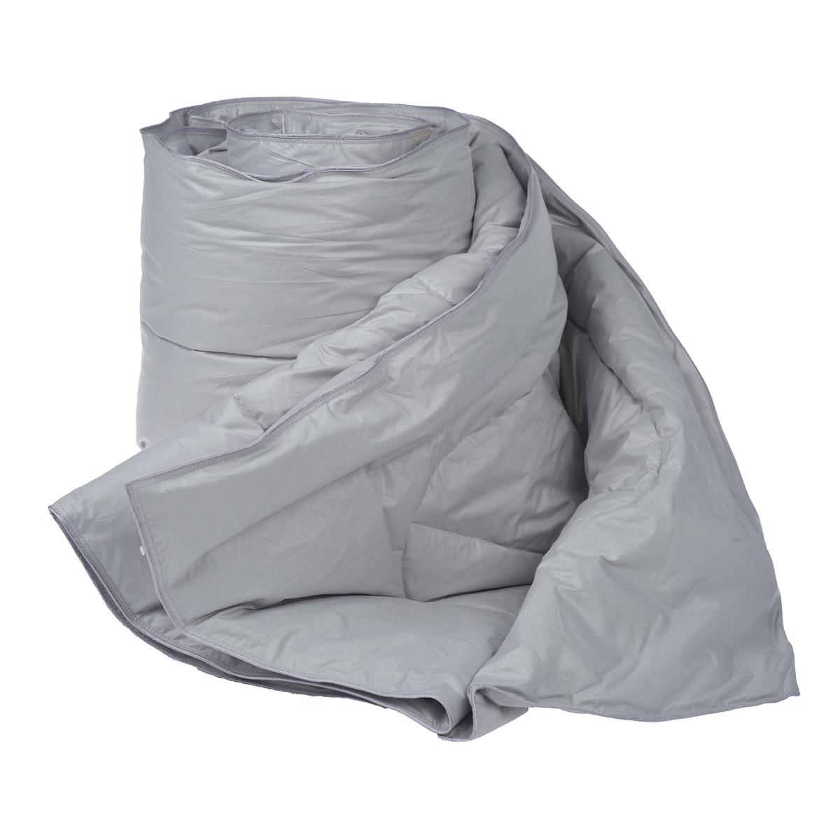 Одеяло Dargez Богемия, наполнитель: пух категории Экстра, цвет: серый, 140 х 205 смS03301004Одеяло Dargez Богемия подарит комфорт и уют во время сна. Чехол одеяла выполнен из пуходержащего гладкокрашеного батиста с обработкой ионами серебра. Ткань с ионами серебра благотворно воздействует на кожу, оказывает расслабляющее действие для организма человека, имеет устойчивый антибактериальный эффект. Уникальная запатентованная стежка Bodyline® по форме повторяет тело человека, что помогает эффективно регулировать теплообмен различных частей организма и создать оптимальный микроклимат во время сна. Натуральное сырье, инновационные разработки и современные технологии - вот рецепт вашего крепкого сна. Изделия коллекции способны стать прекрасным подарком для людей, ценящих красоту и комфорт. Рекомендации по уходу: - Стирка при температуре не более 40°С. - Запрещается отбеливать, гладить, выжимать и сушить в стиральной машине. Материал чехла: батист пуходержащий (100% хлопок). Материал наполнителя: пух категории Экстра. Размер одеяла: 140 см х 205 см.