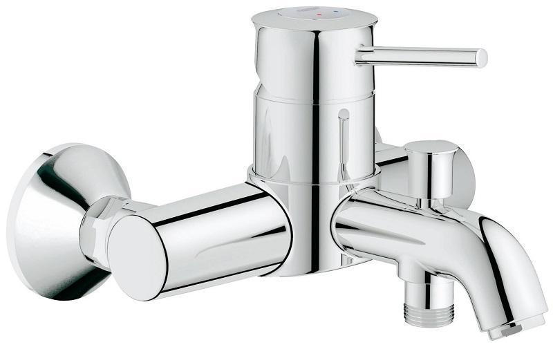 Смеситель для ванны GROHE BauClassic с переключателем ваннадуш (32865000)4005176876387Классический смеситель для ванны и душа: - настенная классическая установка с хромированными эксцентриками - GROHE SilkMove® керамический картридж O 46 мм - GROHE StarLight® хромированная поверхность - изменяемый расход воды (регулировка картриджа) - автоматический переключатель душ\ванна