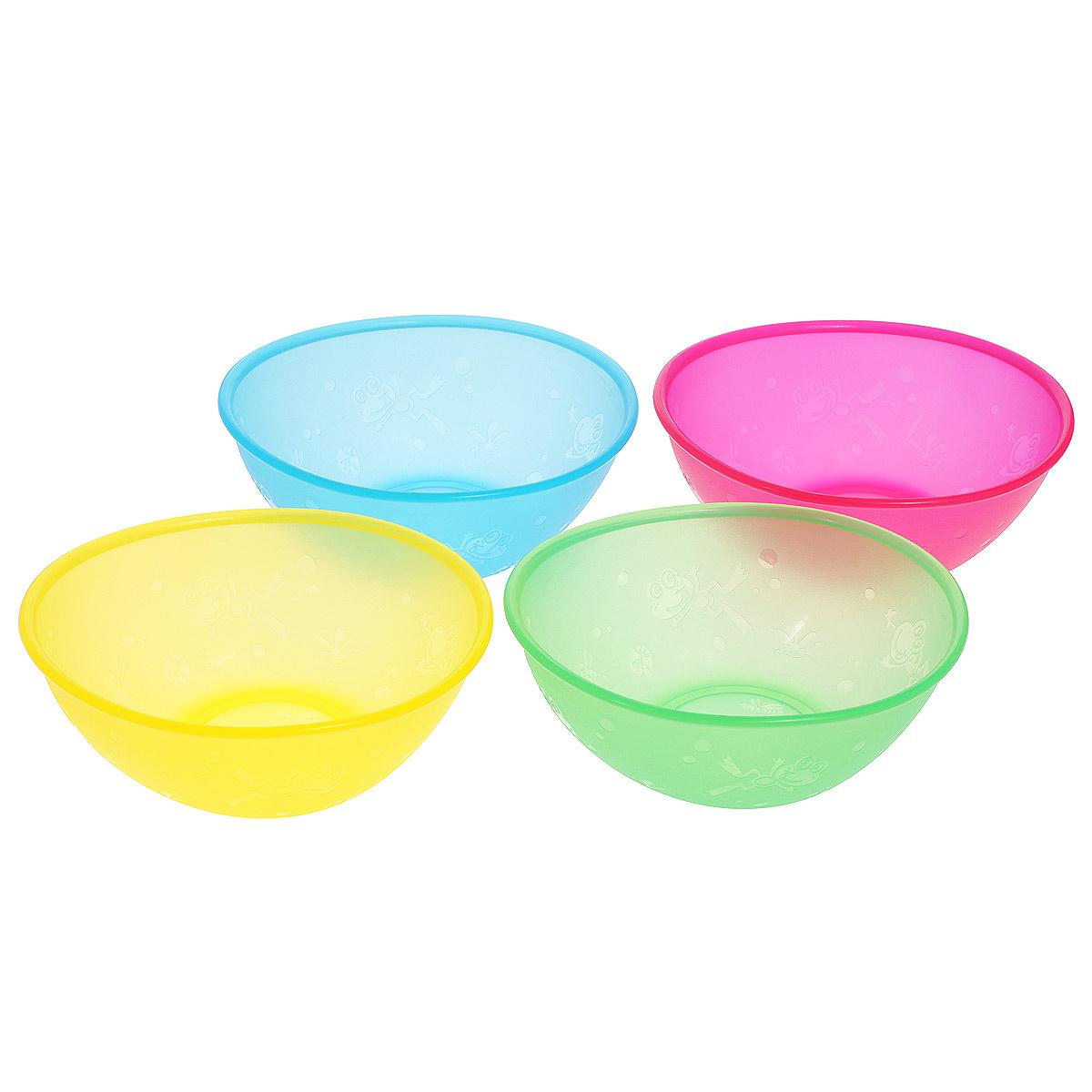 Набор тарелок Nuby, 12 см х 14 см, 4 шт115510Набор Nuby включает 4 овальных разноцветных тарелки, изготовленных из высококачественного пищевого пластика (не содержит бисфенол А). Внешние стенки оформлены рельефом в виде лягушат и стрекоз. Нескользящее покрытие придает тарелкам большую устойчивость. Тарелки достаточно глубокие, они прекрасно подходят и для вторых блюд, и для супов, и для каш. Также подходят для кормления. Для детей с 6-ти месяцев. Разные цвета помогут создать праздник для вашего малыша. Можно использовать во время пикника.Можно мыть в посудомоечной машине и ставить в СВЧ-печь. Размер тарелки (ДхШхВ): 12 см х 14 см х 5,5 см.
