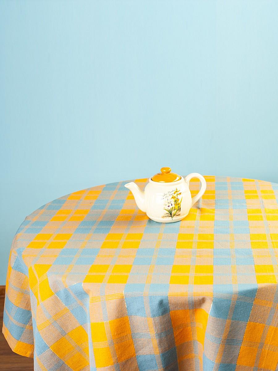 Скатерть Arloni Классик, прямоугольная, цвет: миндаль, 150 x 220 см1036.1Скатерть Arloni Классик изготовлена из натурального хлопка с добавлением люрекса. Изделие оформлено принтом в клетку, что прекрасно подходит для интерьера кухни дома или на даче. Хлопковые скатерти универсальны. Подходят для каждодневного использования. Прочные и легко стираются. Скатерть Arloni Классик - классический вариант, выполненный в идеально подобранной цветовой гамме, который прекрасно дополнит и придаст законченный вариант оформления вашей гостиной или кухни. Рекомендуется ручная стирка.