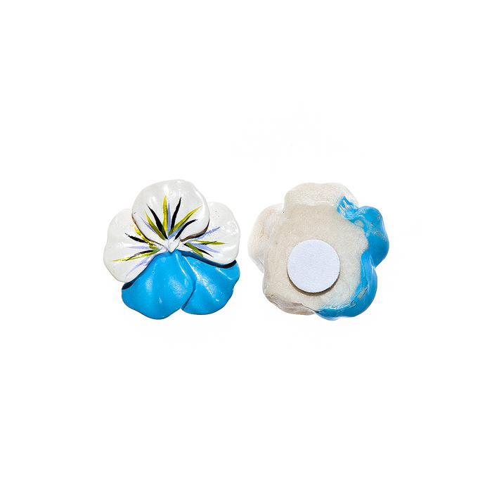 Набор декоративных украшений для яиц Home Queen Луговые цветы, на клейкой основе, цвет; голубой, 8 шт64508Набор Home Queen Луговые цветы состоит из 8 декоративных элементов и предназначен для украшения яиц, посуды, стекла, керамики, металла, цветочных горшков, ваз и других предметов интерьера. Украшения изготовлены из высококачественной полирезины в виде цветов и фиксируются при помощи специальной клейкой основы. Такой набор украшений создаст атмосферу праздника в вашем доме. Размер фигурки: 2 см х 0,5 см х 2 см.
