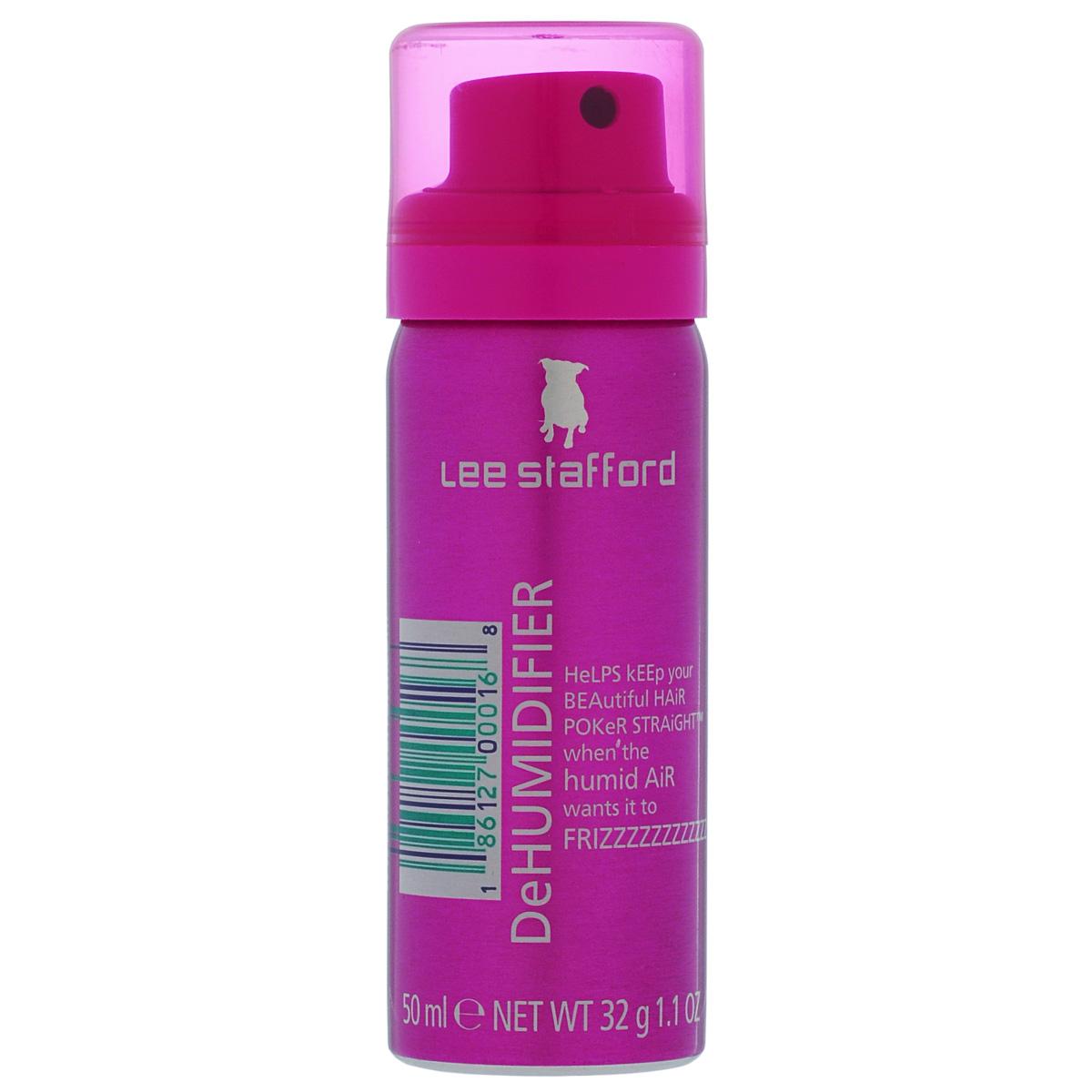 Lee Stafford Спрей для предотвращения завивания волос Poker Straight Mini, 50 млFS-00103400403 Lee Stafford Спрей для предотвращения завивания волос Poker Straight Dehumidifier, 50 мл. Даже под воздействием влажного воздуха, ваши волосы остаются прямыми! Это настоящий «зонтик» для ваших волос. Благодаря входящим в состав компонентам, обеспечивается легкое и эффективное воздействие на волосы, предотвращая их завивание. Распыляйте с расстояния 30-50 см по всей поверхности волос передспортом, прогоулкой, перед тем, как лечь спать