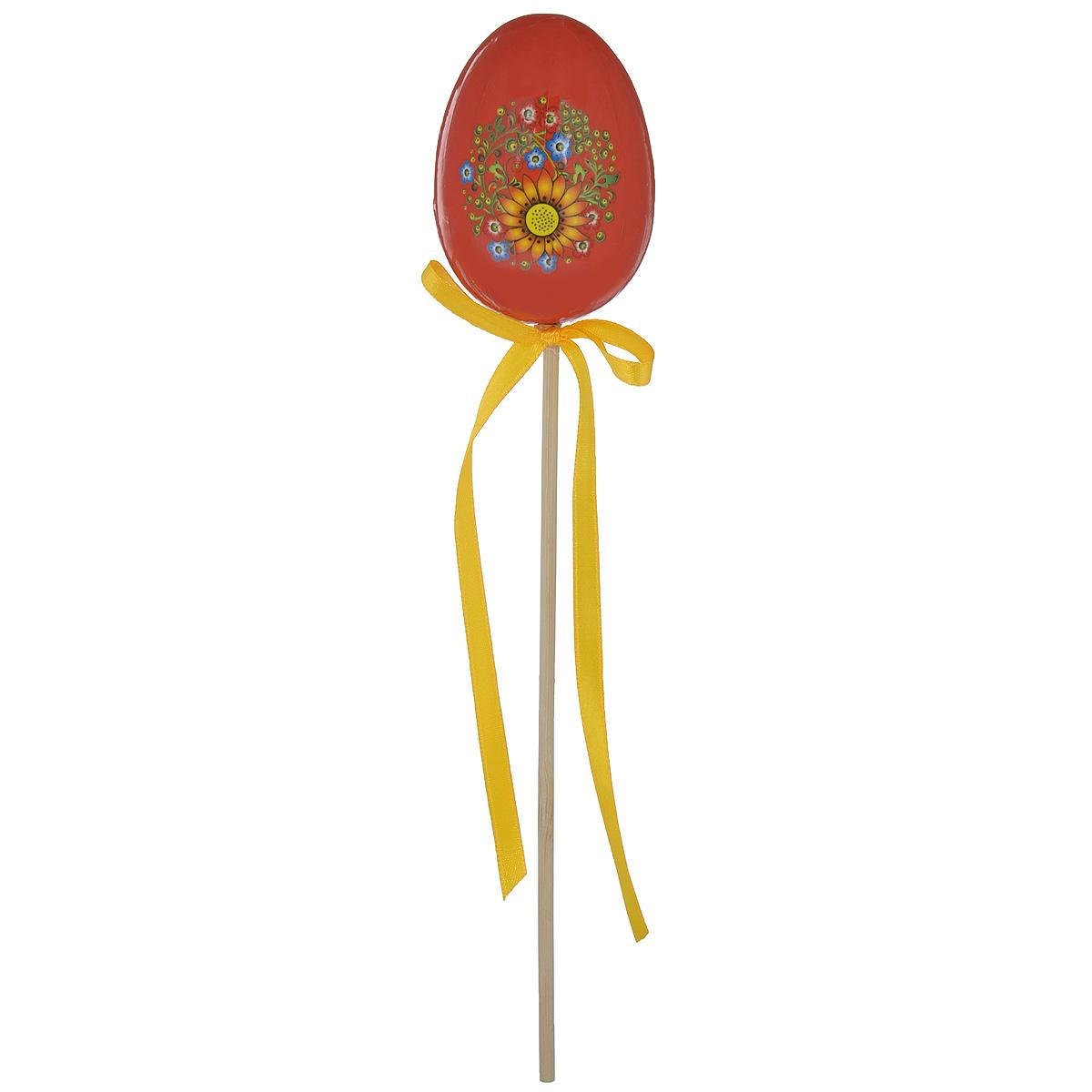 Декоративное украшение на ножке Home Queen Яйцо, цвет: красный, высота 25 см64415_1Декоративное украшение Home Queen Яйцо выполнено из пенопласта, ламинированной бумаги в виде пасхального яйца на деревянной ножке, декорированного цветочным рисунком. Изделие украшено текстильной лентой. Такое украшение прекрасно дополнит подарок для друзей или близких. Высота: 25 см. Размер яйца: 7 см х 5 см. Материал: пенопласт, ламинированная бумага.