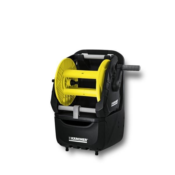 Катушка для шланга Karcher HR 7.300 Premium 2.645-163.02.645-163.0В комплект катушки Karcher HR 7.300 Premium входит настенный бокс для аксессуаров, барабан для шлангов, компактный набор для полива, съемный барабан для шлангов для переносного и стационарного использования (2 в 1). Особенности: Компактная оросительная станция. Удобное хранение разнообразных садовых принадлежностей. В смонтированном состоянии. Возможность мобильного и стационарного применения (2 в 1). С держателями для принадлежностей и вместительным ящиком. Держатель для распылителя с удлиняющей трубкой. Угловой штуцер предотвращает перекручивание и перегиб шланга. Рукоятка свободного хода. Возможность переоснащения для левшей.