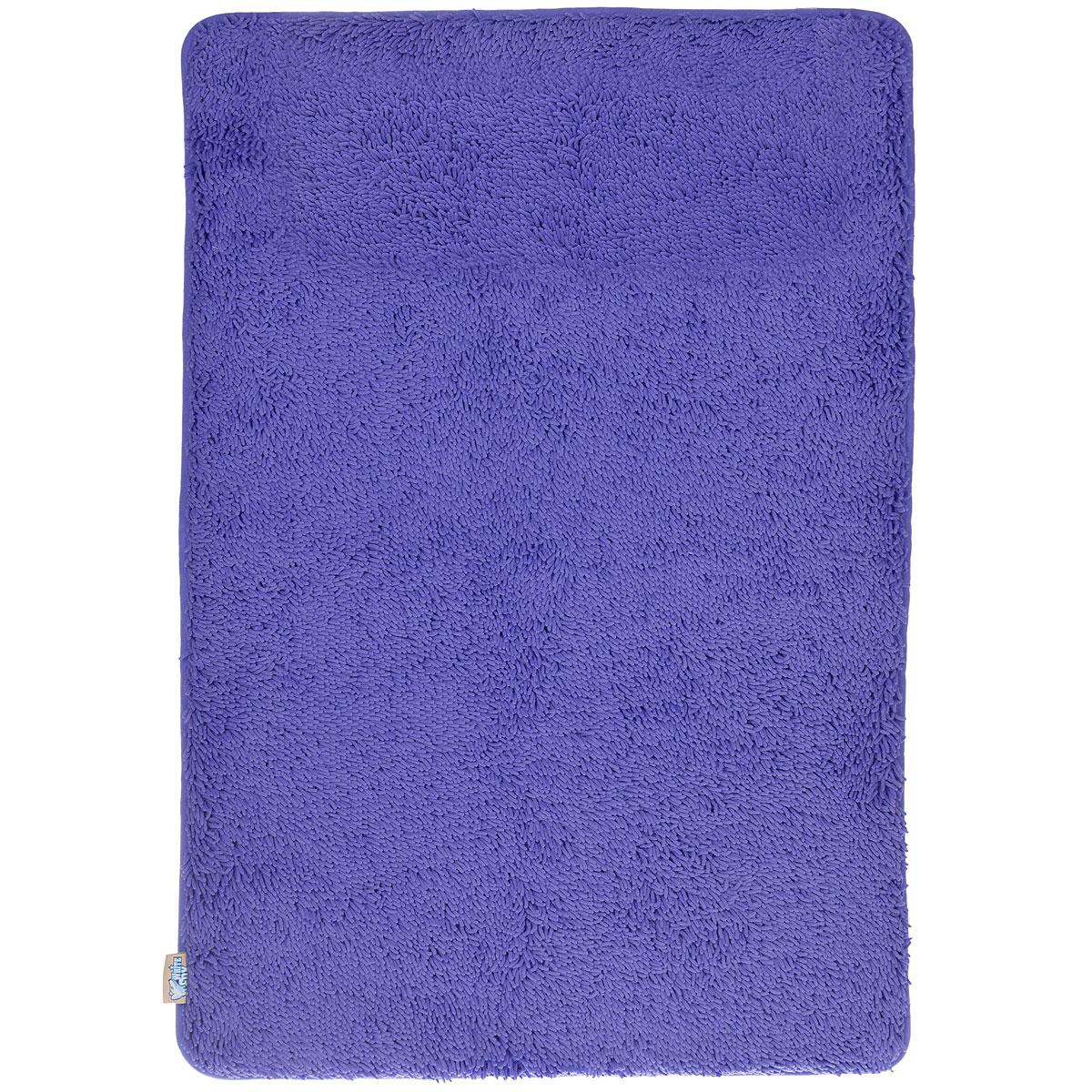 Коврик для ванной White Fox Relax, цвет: синий, 60 см х 90 смUP210DFКоврик для ванной White Fox Relax с ворсом подарит настоящий комфорт до и после принятия водных процедур. Коврик состоит из трех слоев: - верхний флисовый слой прекрасно дышит, благодаря чему коврик быстро высыхает; - основной слой выполнен из специального вспененного материала, который точно повторяет рельеф стопы, создает комфорт и полностью восстанавливает первоначальную форму; - нижний резиновый слой препятствует скольжению коврика на влажном полу.Коврик White Fox Relax с ворсом равномерно распределяет нагрузку на всю поверхность стопы, снимая напряжение и усталость в ногах. Рекомендации по уходу: - можно стирать в стиральной машине при +30°C; - не отбеливать; - не гладить; - можно подвергать химчистке; - деликатные отжим и сушка.Высота ворса: 1,3 см.