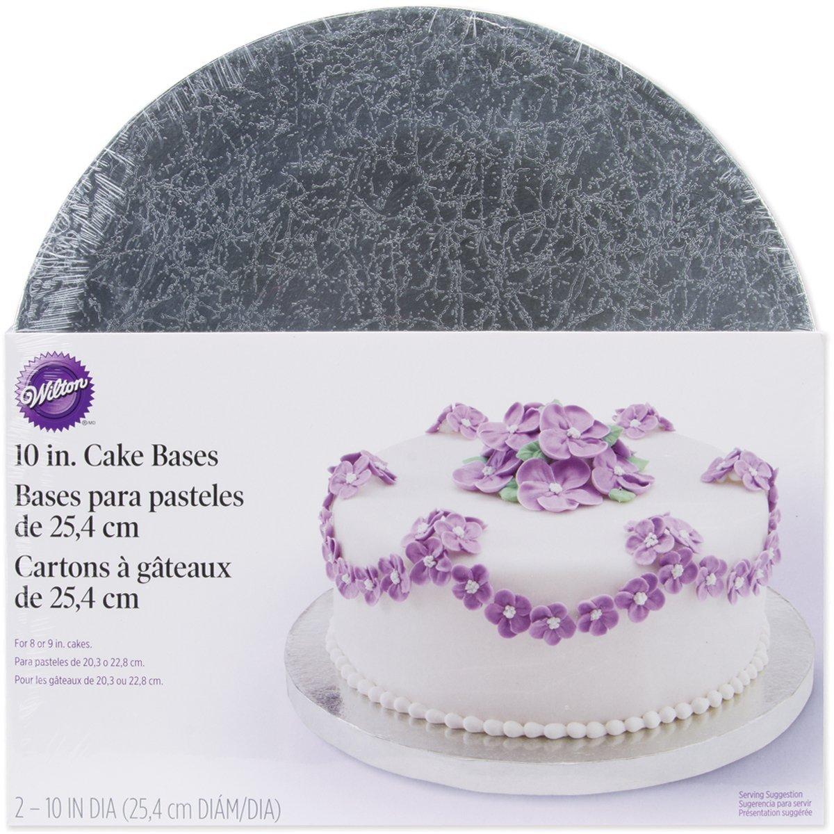Набор подставок для торта Wilton, диаметр 25,4 см, 2 штCM000001328Набор Wilton включает две круглые подставки для торта, выполненные из гофрокартона с жироустойчивым покрытием. Подставки достаточно надежные, чтобы выдержать довольно тяжелый торт с большим количеством украшений. Идеальны для любых видов тортов. Диаметр подставок идеален, чтобы украсить торт по краю кремовыми жемчужинами или ленточками.С такими подставками вы всегда сможете красиво оформить вашу выпечку.Диаметр подставки: 25,4 см. Толщина подставки: 1,5 см.