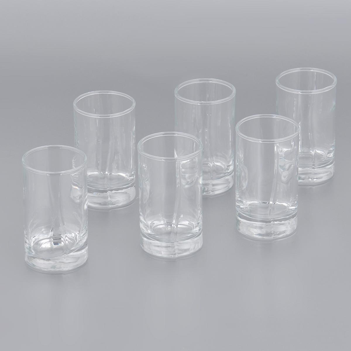 Набор стопок Pasabahce Luna, 60 мл, 6 шт42043BНабор Pasabahce Luna, выполненный из прочного натрий-кальций-силикатного стекла, состоит из шести стопок. Стопки, оснащенные утолщенным дном, прекрасно подойдут для подачи водки или ликера. Эстетичность, функциональность и изящный дизайн сделают набор достойным дополнением к вашему кухонному инвентарю. Набор стопок Pasabahce Luna украсит ваш стол и станет отличным подарком к любому празднику. Можно использовать в микроволновой печи и мыть в посудомоечной машине. Диаметр стопки по верхнему краю: 4 см. Высота стопки: 7 см.