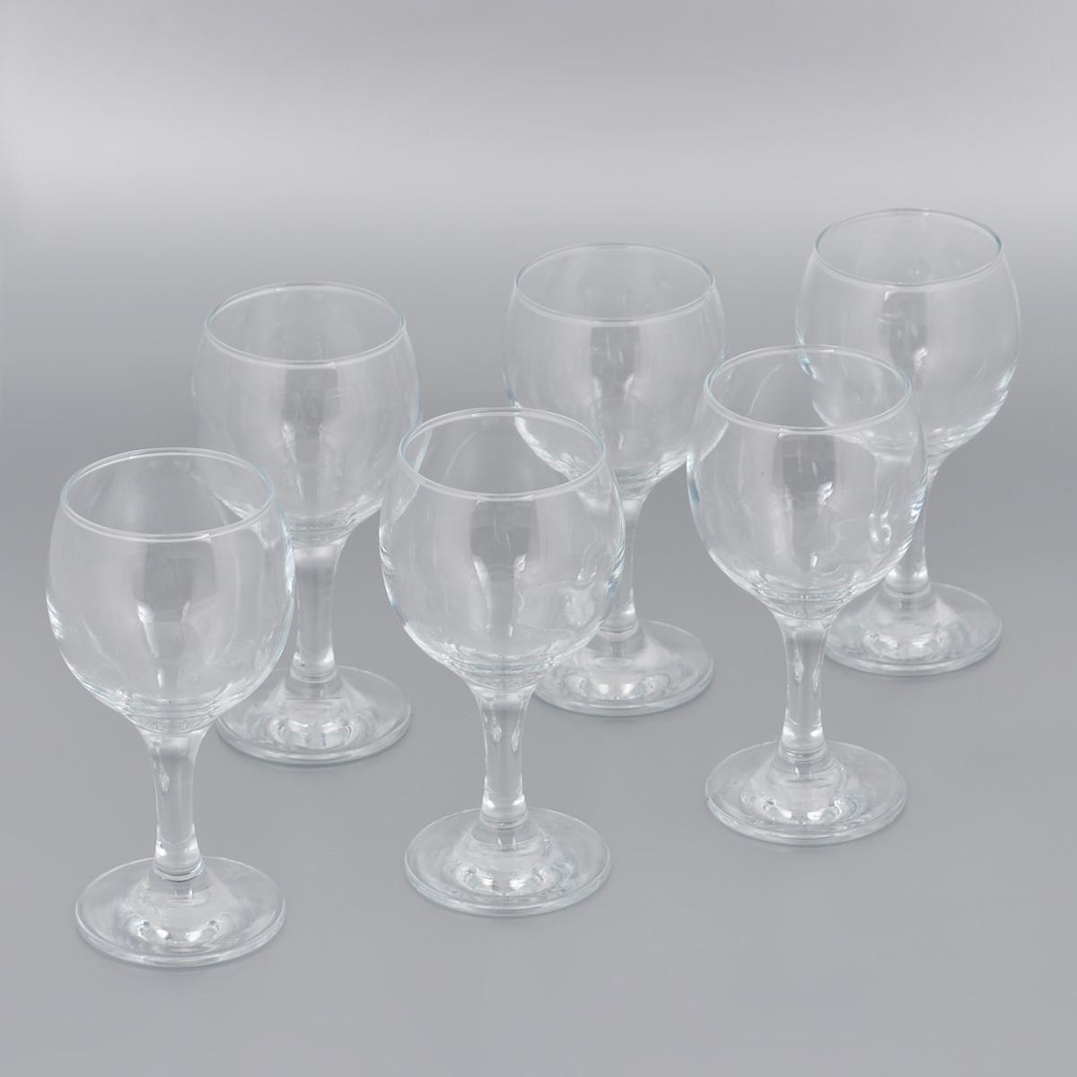 Набор бокалов для красного вина Pasabahce Bistro, 225 мл, 6 шт44412BНабор Pasabahce Bistro состоит из шести бокалов, выполненных из прочного натрий-кальций-силикатного стекла. Бокалы предназначены для подачи красного вина. Они сочетают в себе элегантный дизайн и функциональность. Благодаря такому набору пить напитки будет еще вкуснее. Набор бокалов Pasabahce Bistro прекрасно оформит праздничный стол и создаст приятную атмосферу за романтическим ужином. Такой набор также станет хорошим подарком к любому случаю. Можно мыть в посудомоечной машине и использовать в микроволновой печи. Диаметр бокала (по верхнему краю): 6 см. Высота бокала: 15 см.