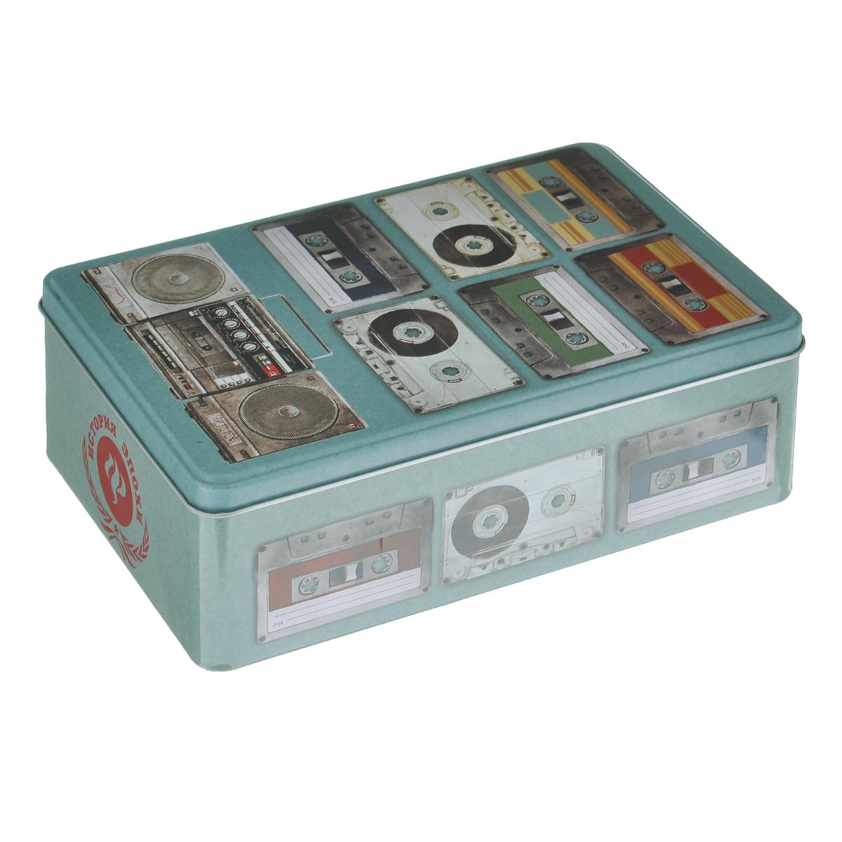 Коробка для хранения Феникс-презент Аудиокассеты, 20 х 13 х 6,5 см10503Коробка для хранения Феникс-презент Аудиокассеты, выполненная из металла, декорирована изображением различных аудиокассет. Внутри коробки имеется одно вместительное отделение. Крышка изделия открывается с помощью откидного механизма.Коробка для хранения Феникс-презент Аудиокассеты станет оригинальным украшением интерьера и позволит хранить украшения, бижутерию, а также предметы шитья или рукоделия.