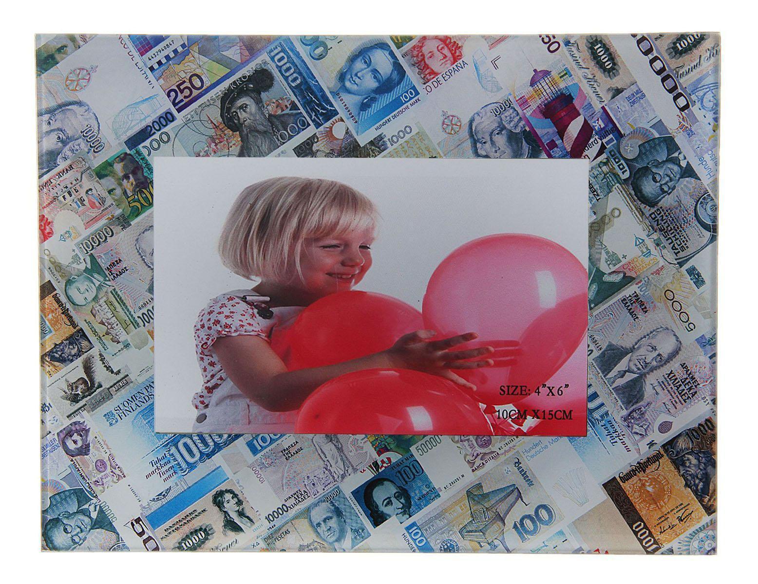 Фоторамка Sima-land Деньги мира, 10 х 15 см134775Фоторамка Sima-land Деньги мира отличный подарок, подчеркивающий яркую индивидуальность того, кому он предназначается. Некоторые вещи мы вряд ли когда-то купим себе сами. Но, будучи подаренными друзьями или родными, они доставляют нам массу удовольствия. С одной такой вещицы может начаться целая коллекция.